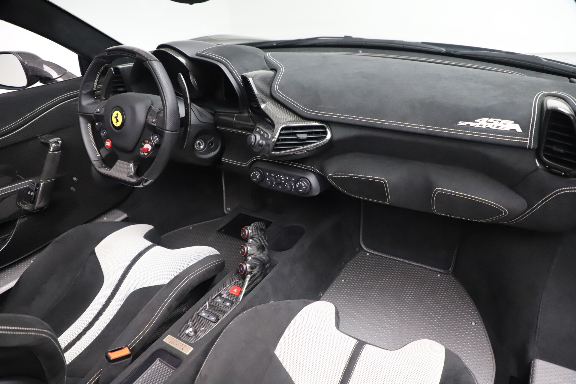 Used 2015 Ferrari 458 Speciale Aperta  For Sale In Greenwich, CT. Alfa Romeo of Greenwich, 4625 3571_p26