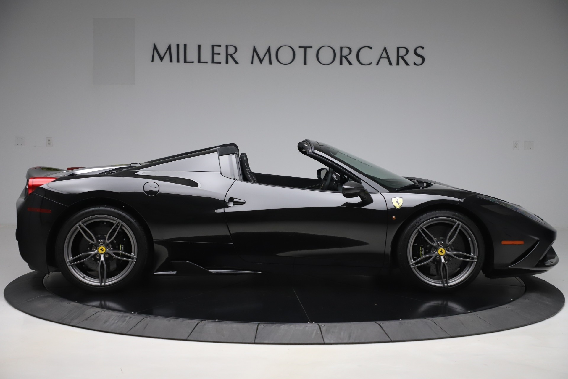 Used 2015 Ferrari 458 Speciale Aperta  For Sale In Greenwich, CT. Alfa Romeo of Greenwich, 4625 3571_p9