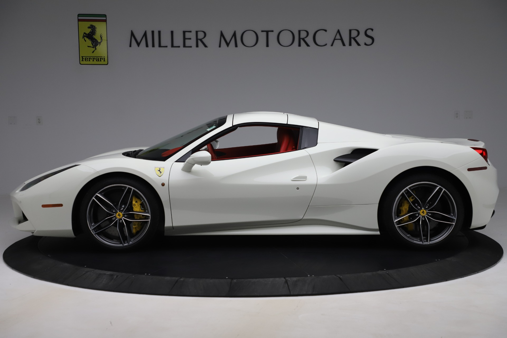 Used 2018 Ferrari 488 Spider  For Sale In Greenwich, CT. Alfa Romeo of Greenwich, 4626 3579_p14
