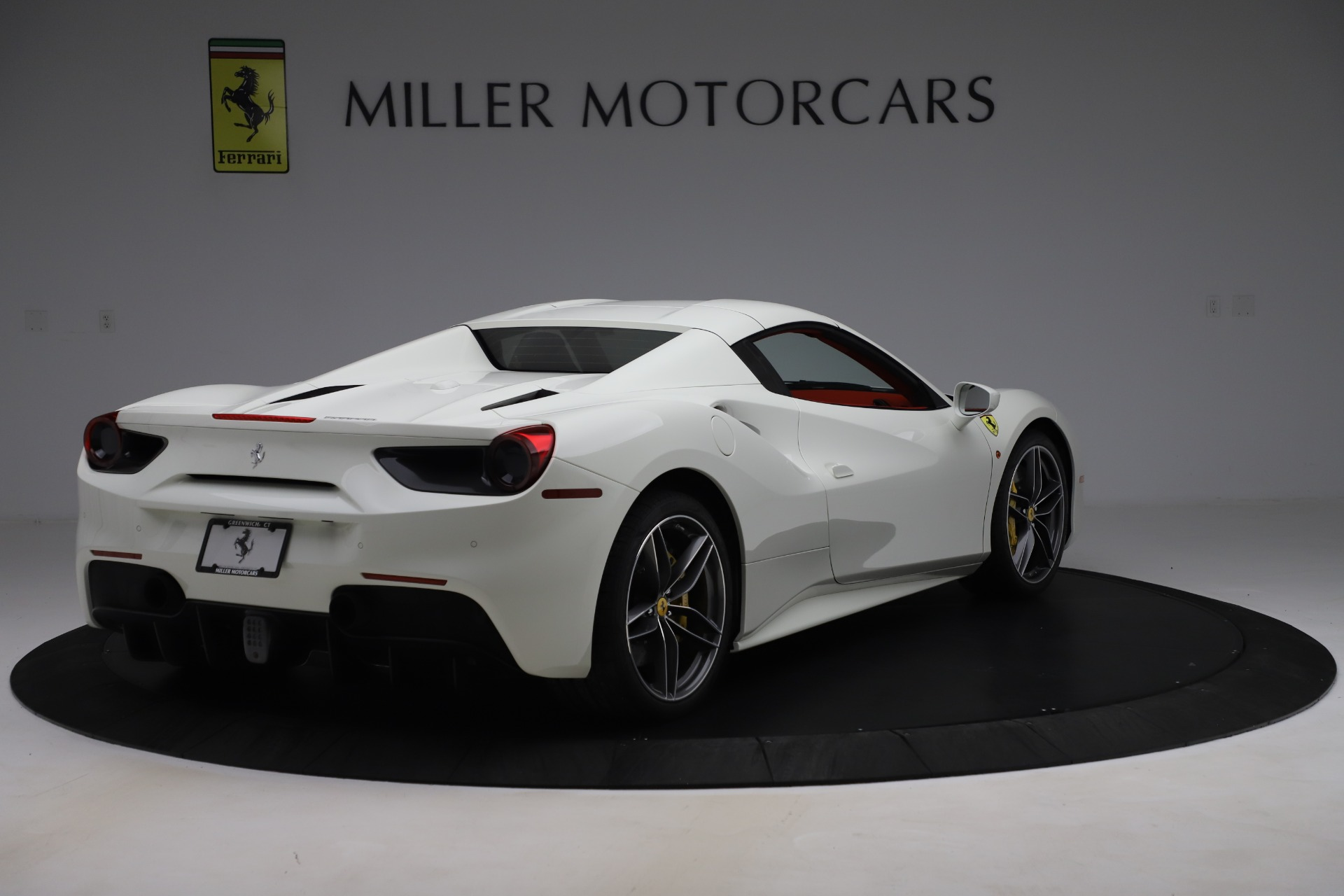 Used 2018 Ferrari 488 Spider  For Sale In Greenwich, CT. Alfa Romeo of Greenwich, 4626 3579_p16