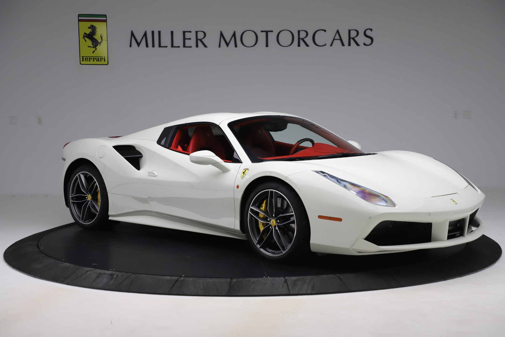 Used 2018 Ferrari 488 Spider  For Sale In Greenwich, CT. Alfa Romeo of Greenwich, 4626 3579_p18
