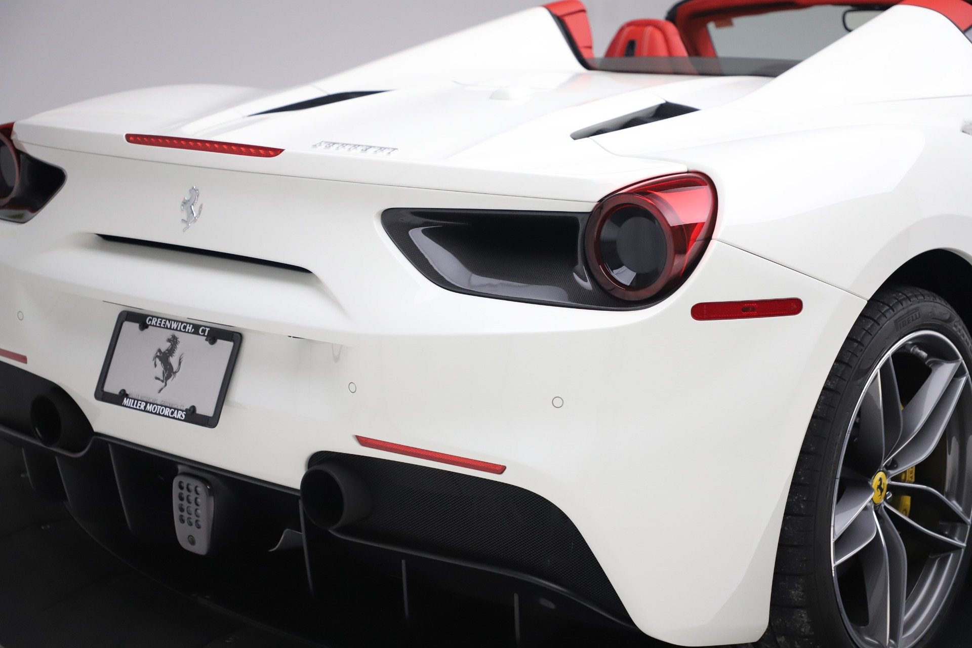 Used 2018 Ferrari 488 Spider  For Sale In Greenwich, CT. Alfa Romeo of Greenwich, 4626 3579_p30