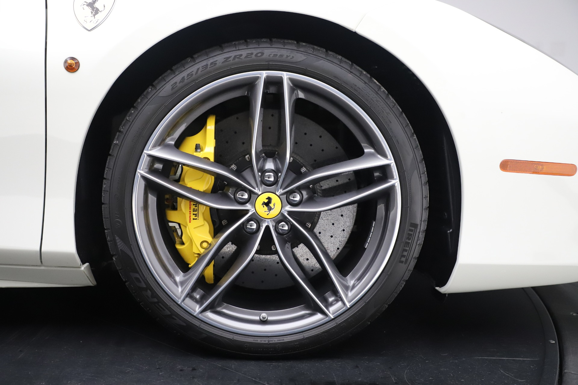 Used 2018 Ferrari 488 Spider  For Sale In Greenwich, CT. Alfa Romeo of Greenwich, 4626 3579_p31