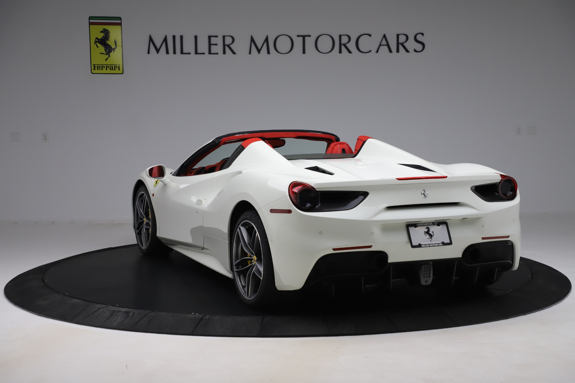 Used 2018 Ferrari 488 Spider  For Sale In Greenwich, CT. Alfa Romeo of Greenwich, 4626 3579_p5