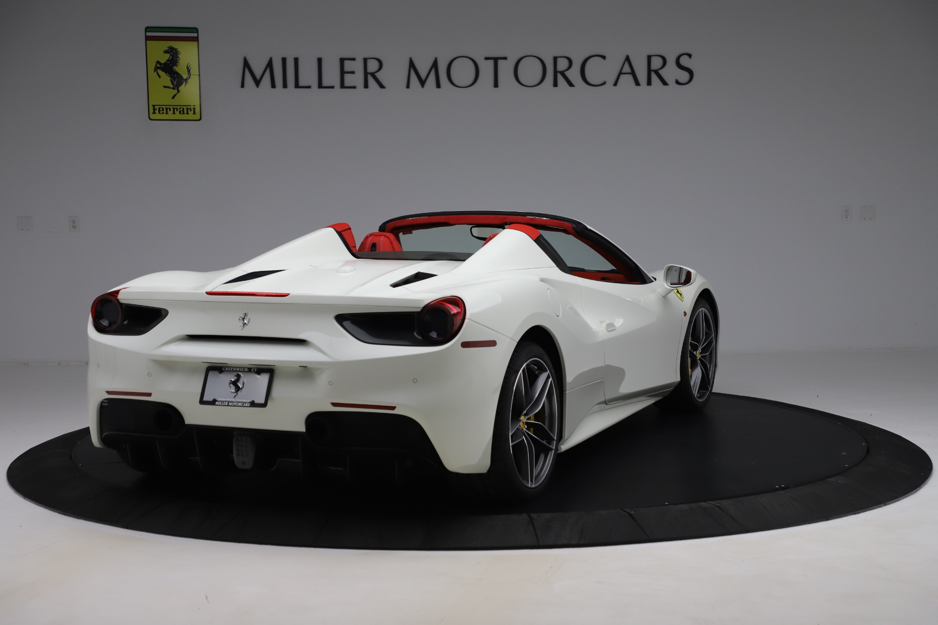 Used 2018 Ferrari 488 Spider  For Sale In Greenwich, CT. Alfa Romeo of Greenwich, 4626 3579_p7