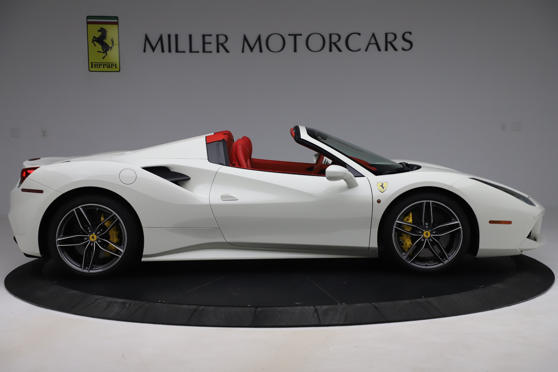 Used 2018 Ferrari 488 Spider  For Sale In Greenwich, CT. Alfa Romeo of Greenwich, 4626 3579_p9