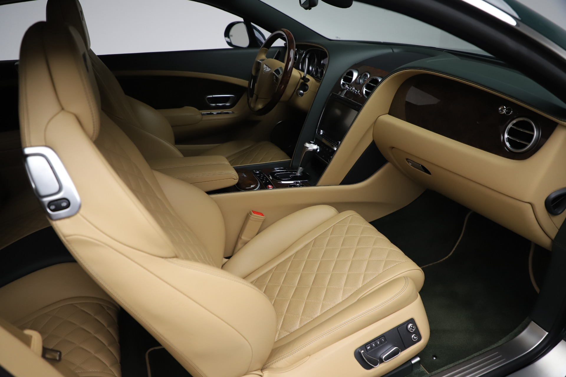 Used 2017 Bentley Continental GT V8 S For Sale In Greenwich, CT. Alfa Romeo of Greenwich, 7700 3583_p24