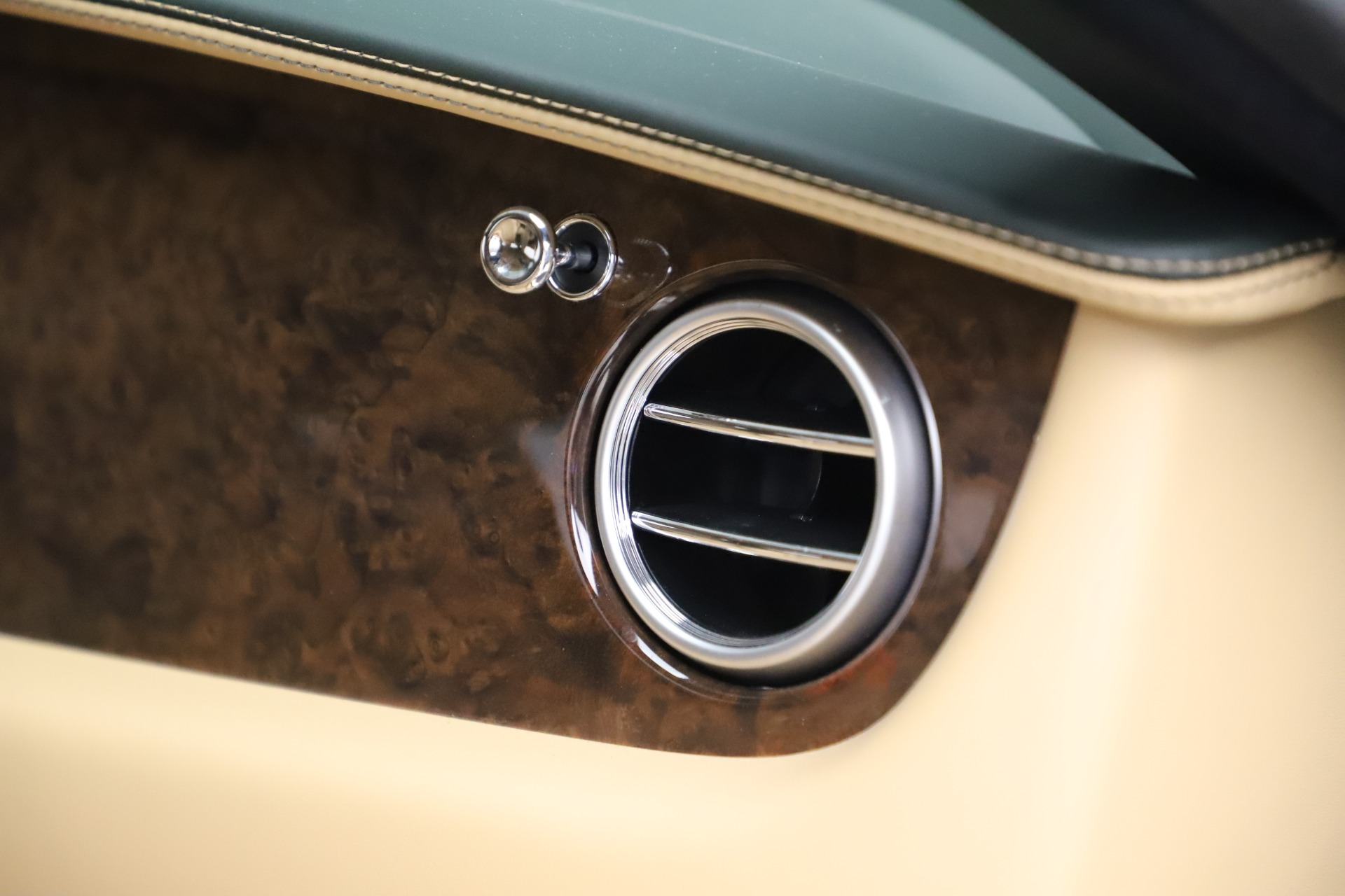 Used 2017 Bentley Continental GT V8 S For Sale In Greenwich, CT. Alfa Romeo of Greenwich, 7700 3583_p29