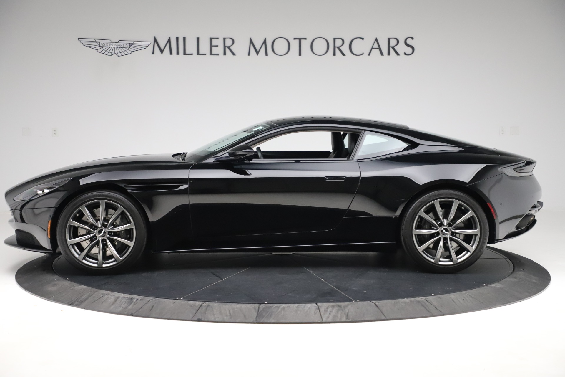 Used 2018 Aston Martin DB11 V8 For Sale In Greenwich, CT. Alfa Romeo of Greenwich, 7675 3588_p2