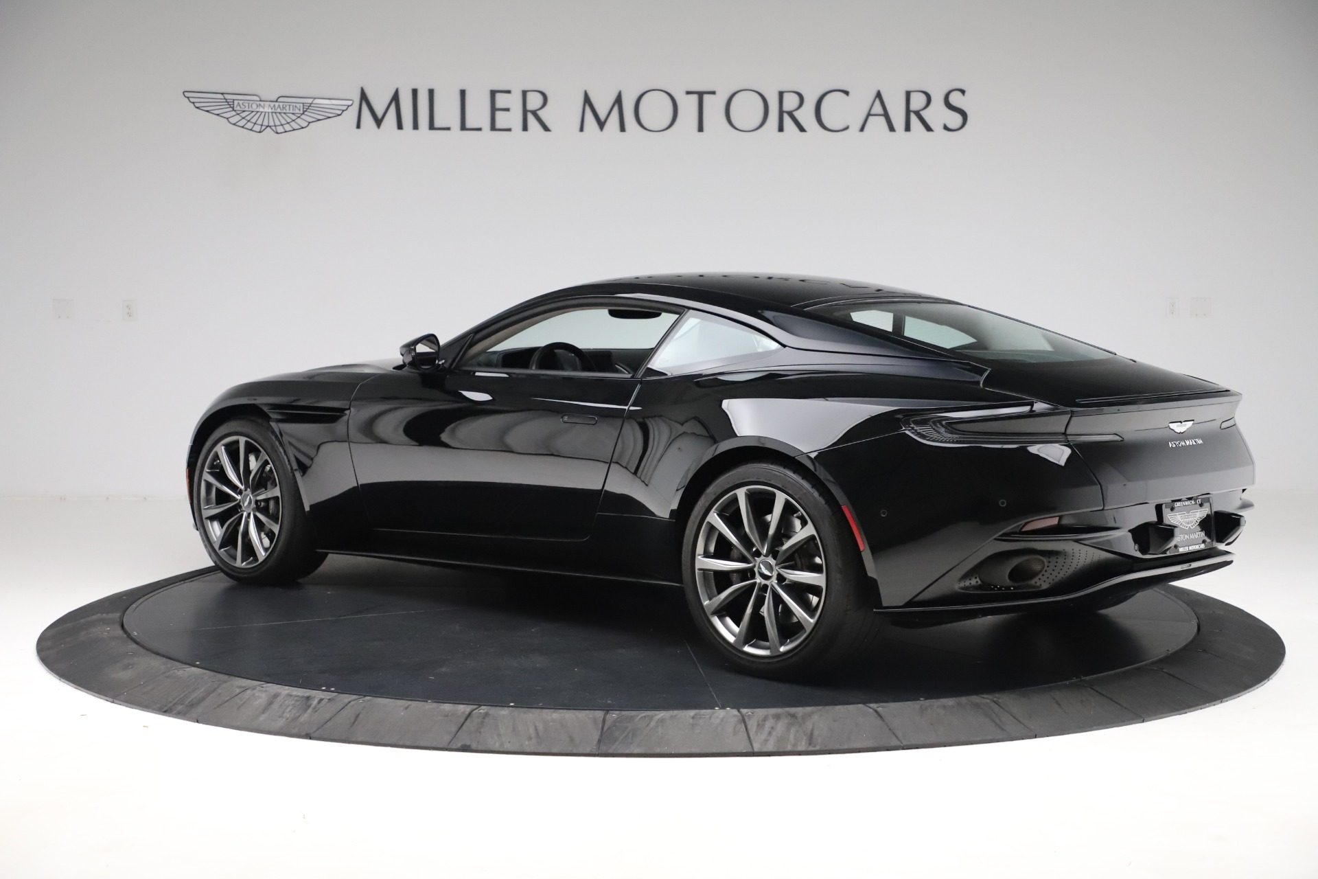 Used 2018 Aston Martin DB11 V8 For Sale In Greenwich, CT. Alfa Romeo of Greenwich, 7675 3588_p3