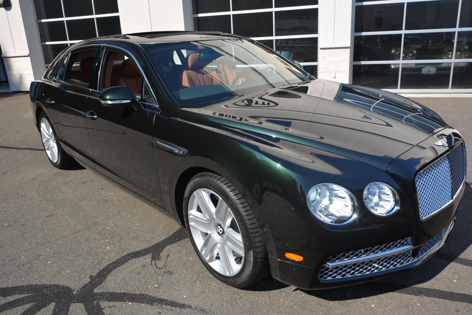 Used 2016 Bentley Flying Spur W12  For Sale In Greenwich, CT. Alfa Romeo of Greenwich, B1098 41_p2