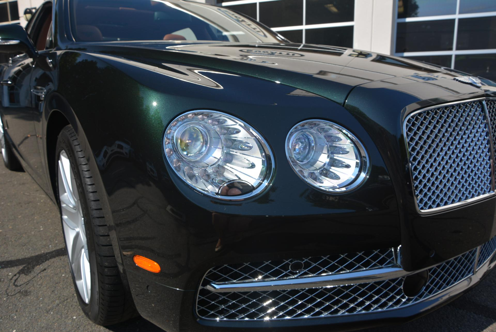 Used 2016 Bentley Flying Spur W12  For Sale In Greenwich, CT. Alfa Romeo of Greenwich, B1098 41_p7