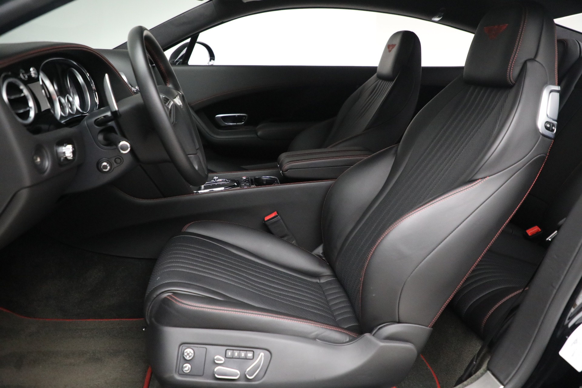 New 2017 Bentley Continental GT V8 For Sale In Greenwich, CT. Alfa Romeo of Greenwich, B1180 501_p16