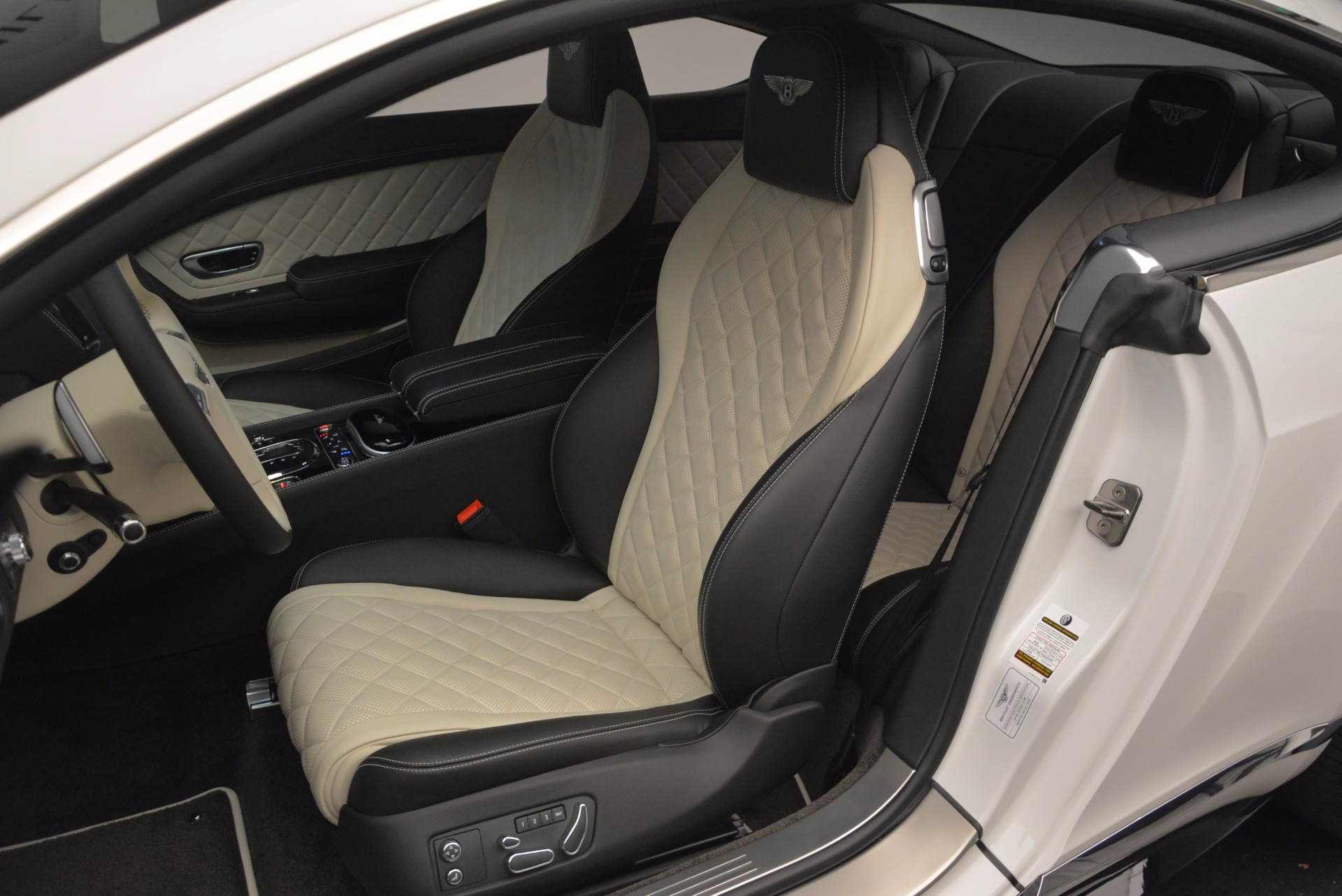 New 2017 Bentley Continental GT V8 S For Sale In Greenwich, CT. Alfa Romeo of Greenwich, B1187 504_p24