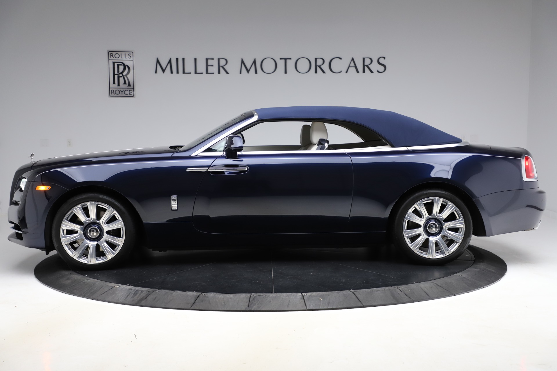 Used 2016 Rolls-Royce Dawn  For Sale In Greenwich, CT. Alfa Romeo of Greenwich, R374 553_p16