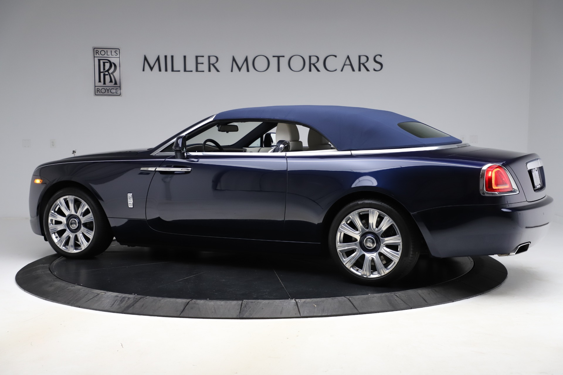 Used 2016 Rolls-Royce Dawn  For Sale In Greenwich, CT. Alfa Romeo of Greenwich, R374 553_p17