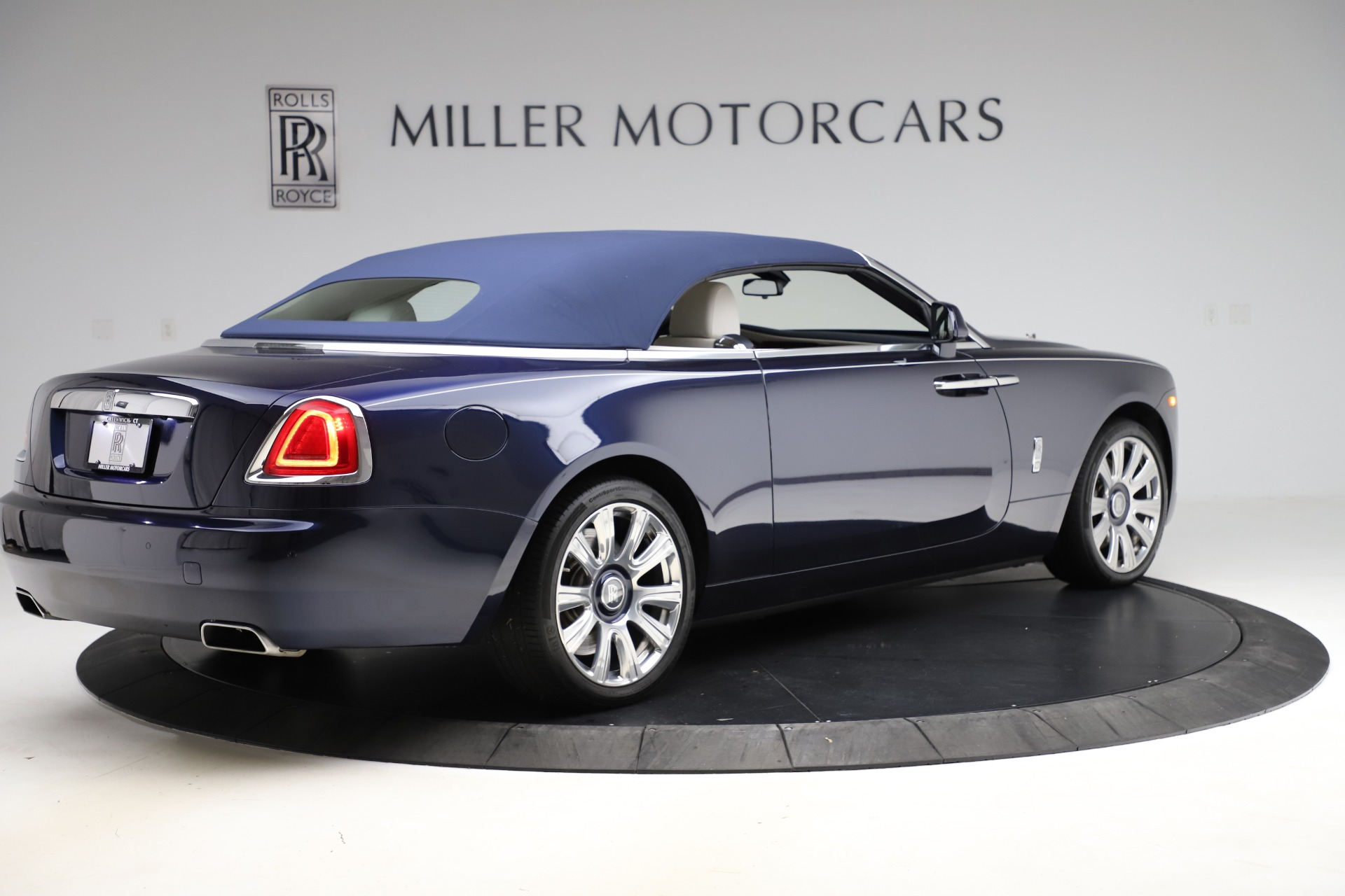 Used 2016 Rolls-Royce Dawn  For Sale In Greenwich, CT. Alfa Romeo of Greenwich, R374 553_p21