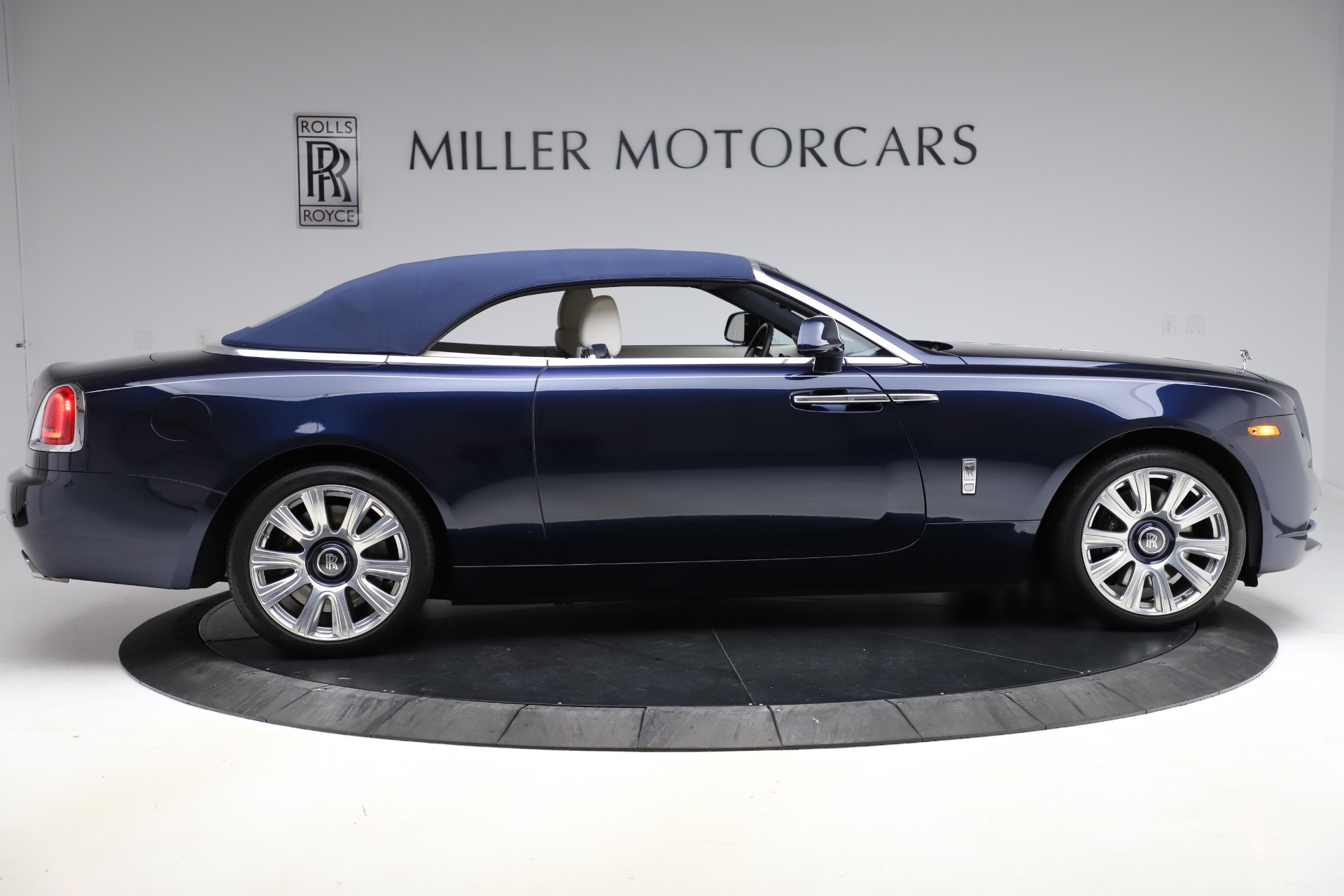 Used 2016 Rolls-Royce Dawn  For Sale In Greenwich, CT. Alfa Romeo of Greenwich, R374 553_p22