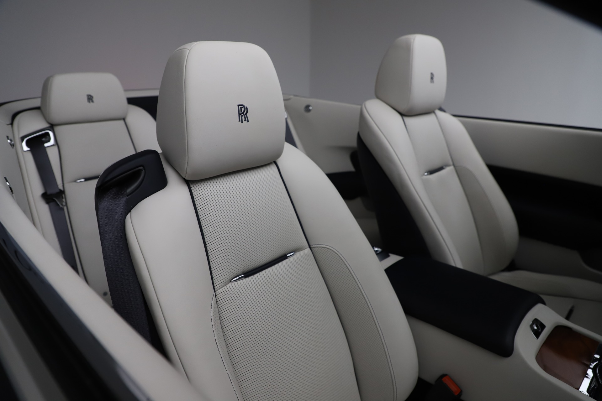 Used 2016 Rolls-Royce Dawn  For Sale In Greenwich, CT. Alfa Romeo of Greenwich, R374 553_p26