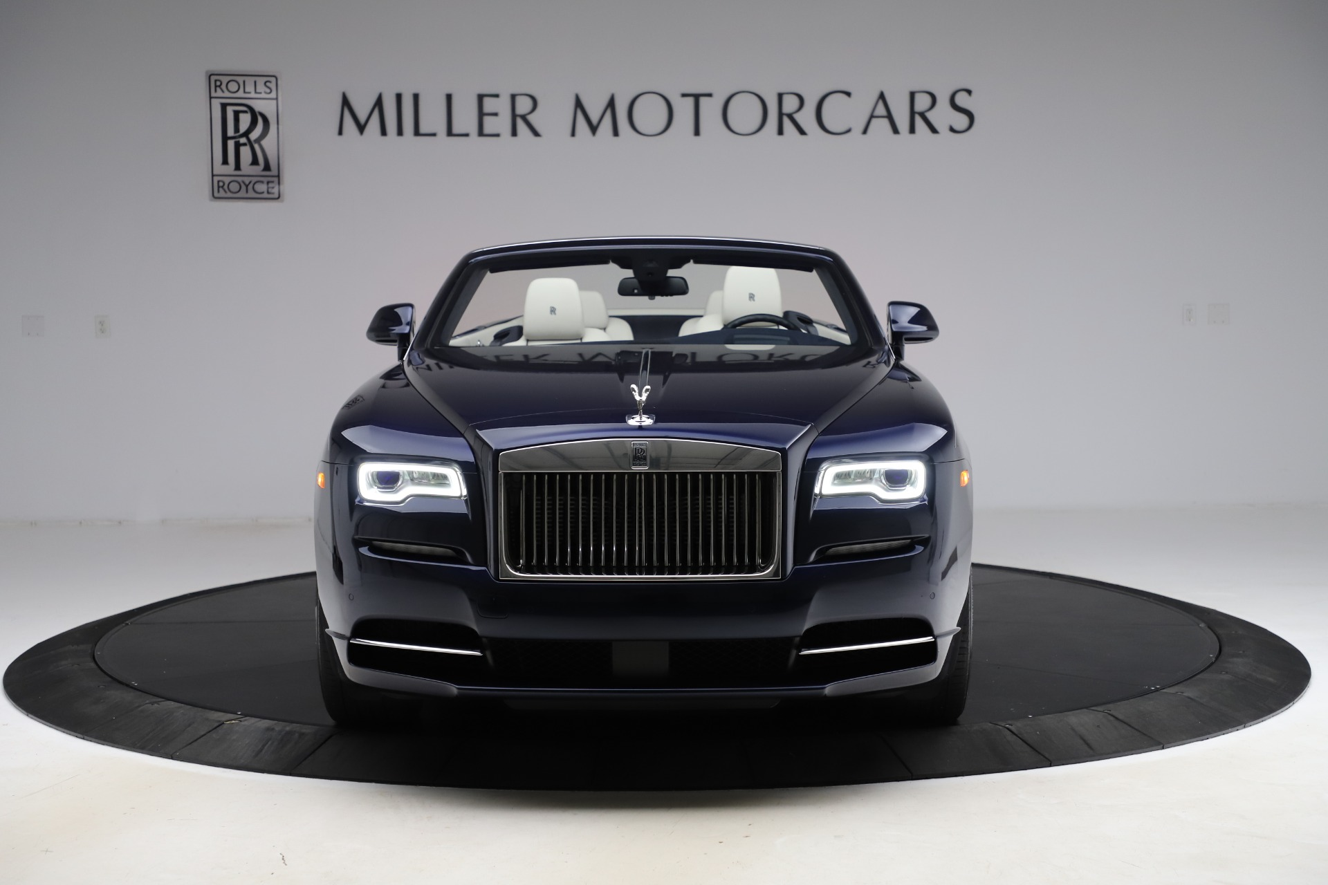 Used 2016 Rolls-Royce Dawn  For Sale In Greenwich, CT. Alfa Romeo of Greenwich, R374 553_p2