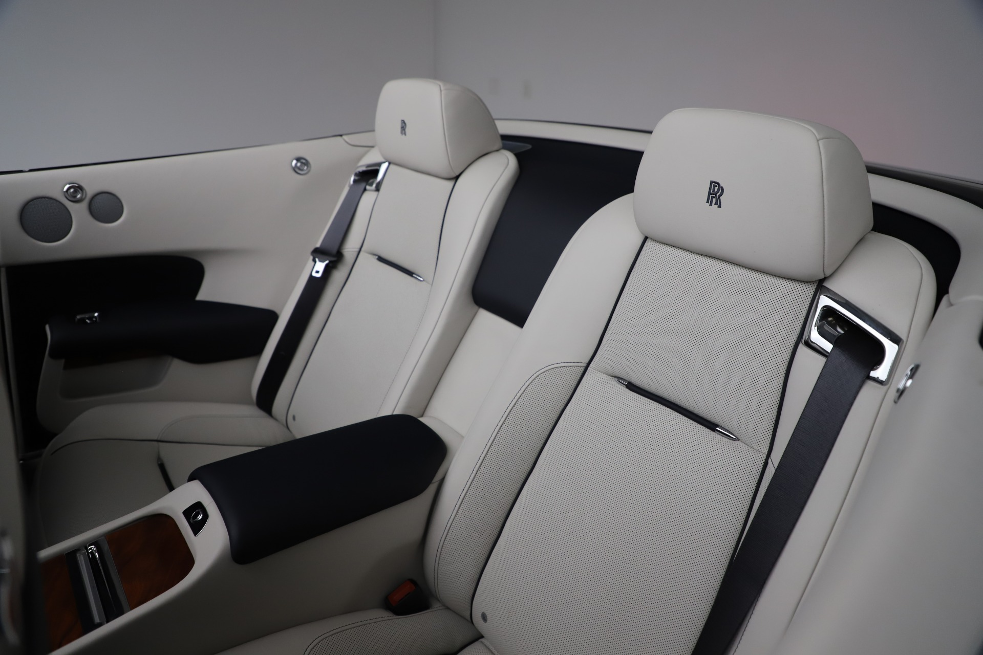 Used 2016 Rolls-Royce Dawn  For Sale In Greenwich, CT. Alfa Romeo of Greenwich, R374 553_p31
