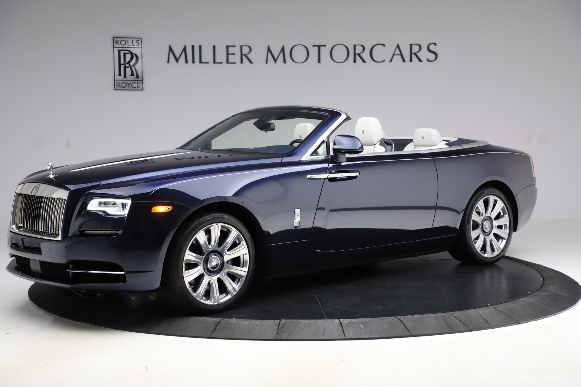 Used 2016 Rolls-Royce Dawn  For Sale In Greenwich, CT. Alfa Romeo of Greenwich, R374 553_p3