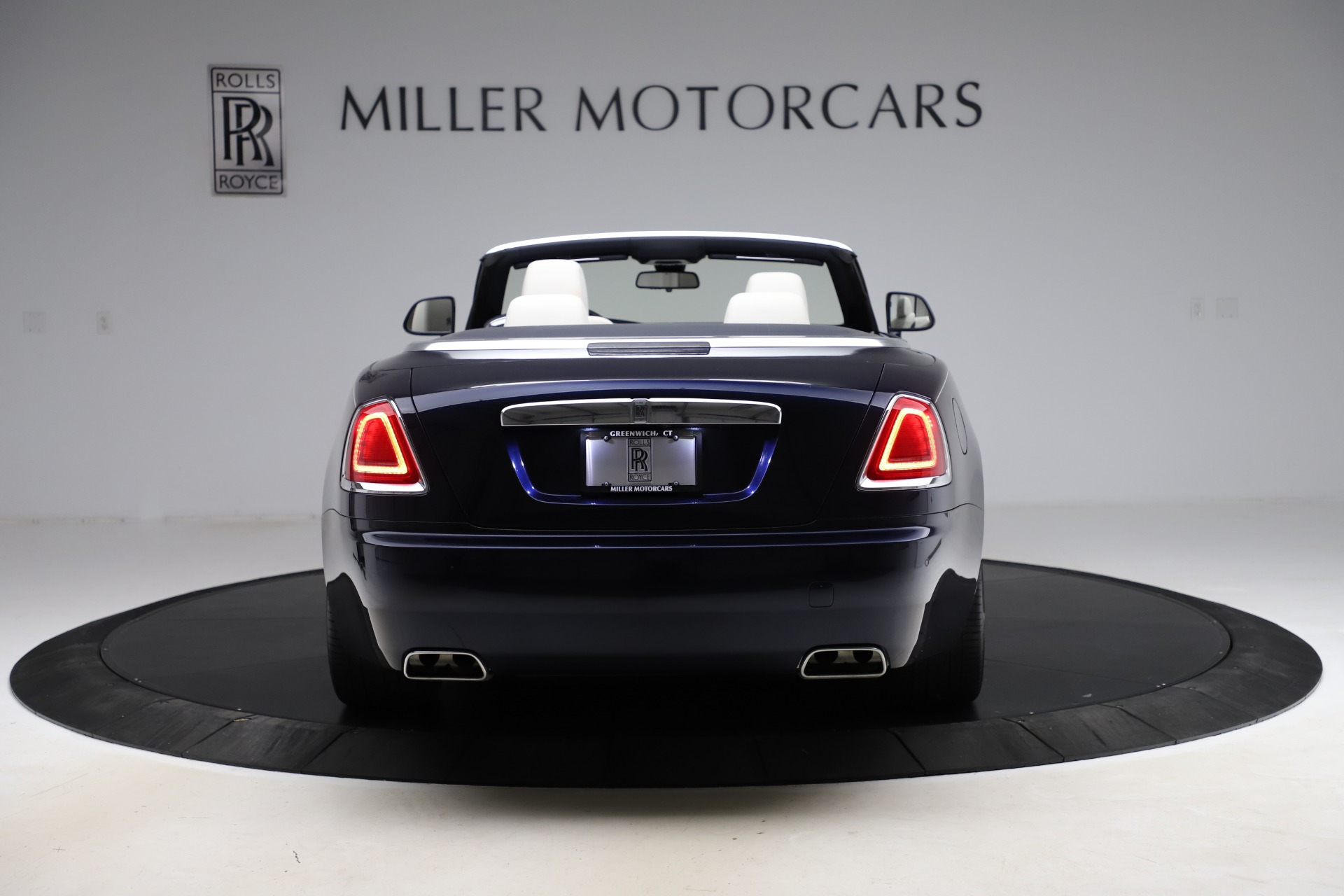 Used 2016 Rolls-Royce Dawn  For Sale In Greenwich, CT. Alfa Romeo of Greenwich, R374 553_p7