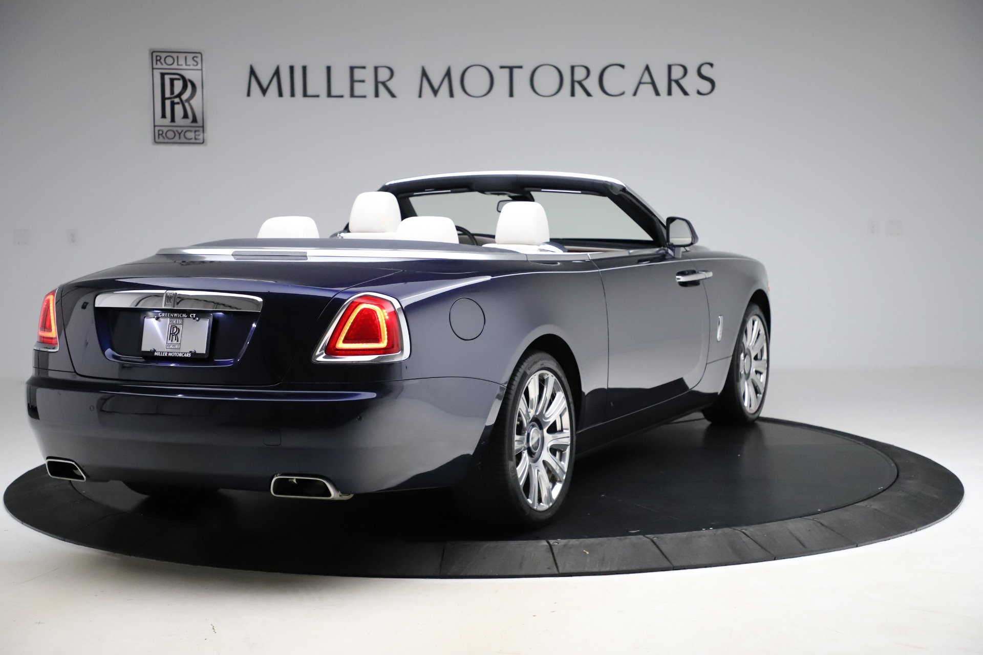 Used 2016 Rolls-Royce Dawn  For Sale In Greenwich, CT. Alfa Romeo of Greenwich, R374 553_p8