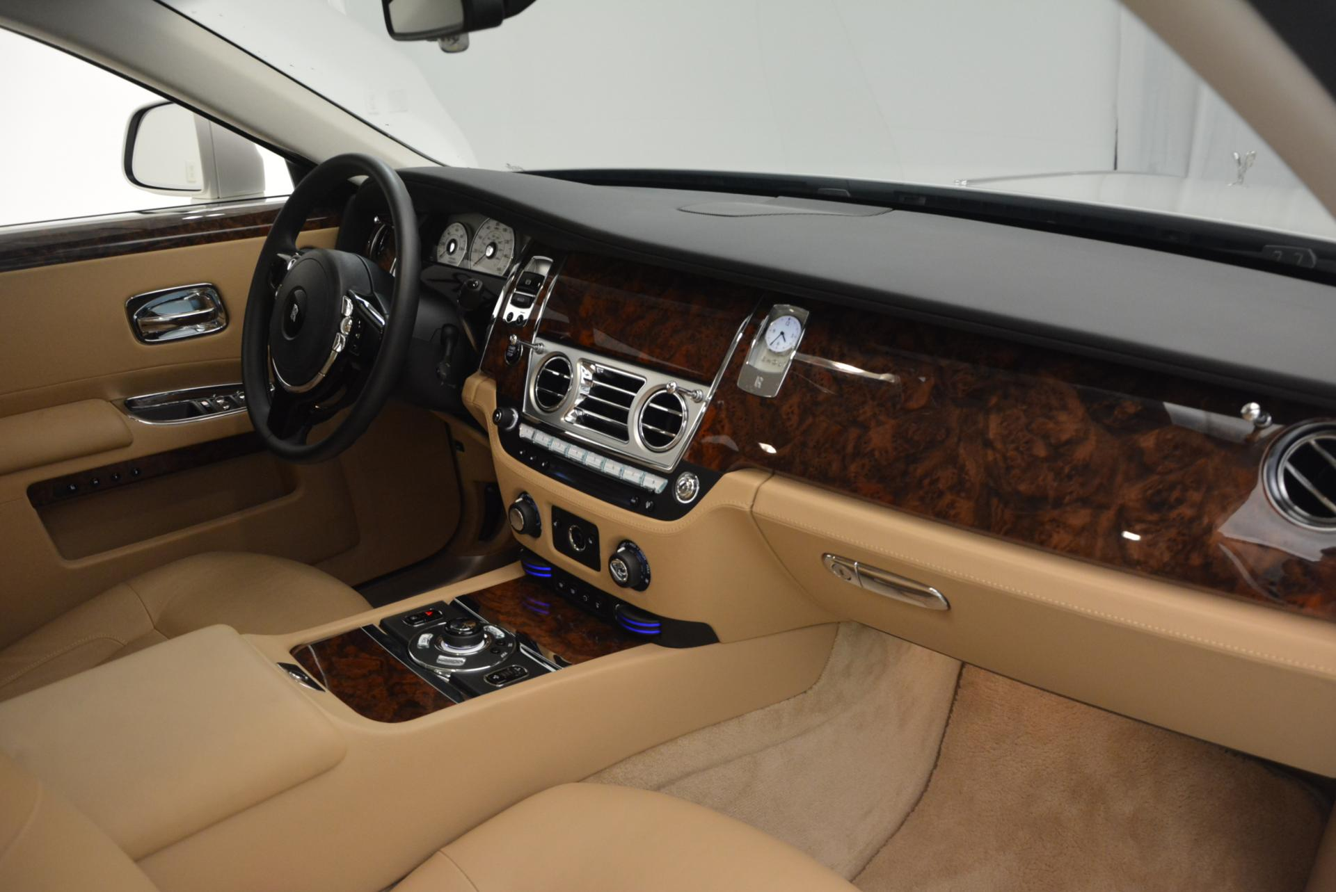 Used 2013 Rolls-Royce Ghost  For Sale In Greenwich, CT. Alfa Romeo of Greenwich, 7052 558_p17