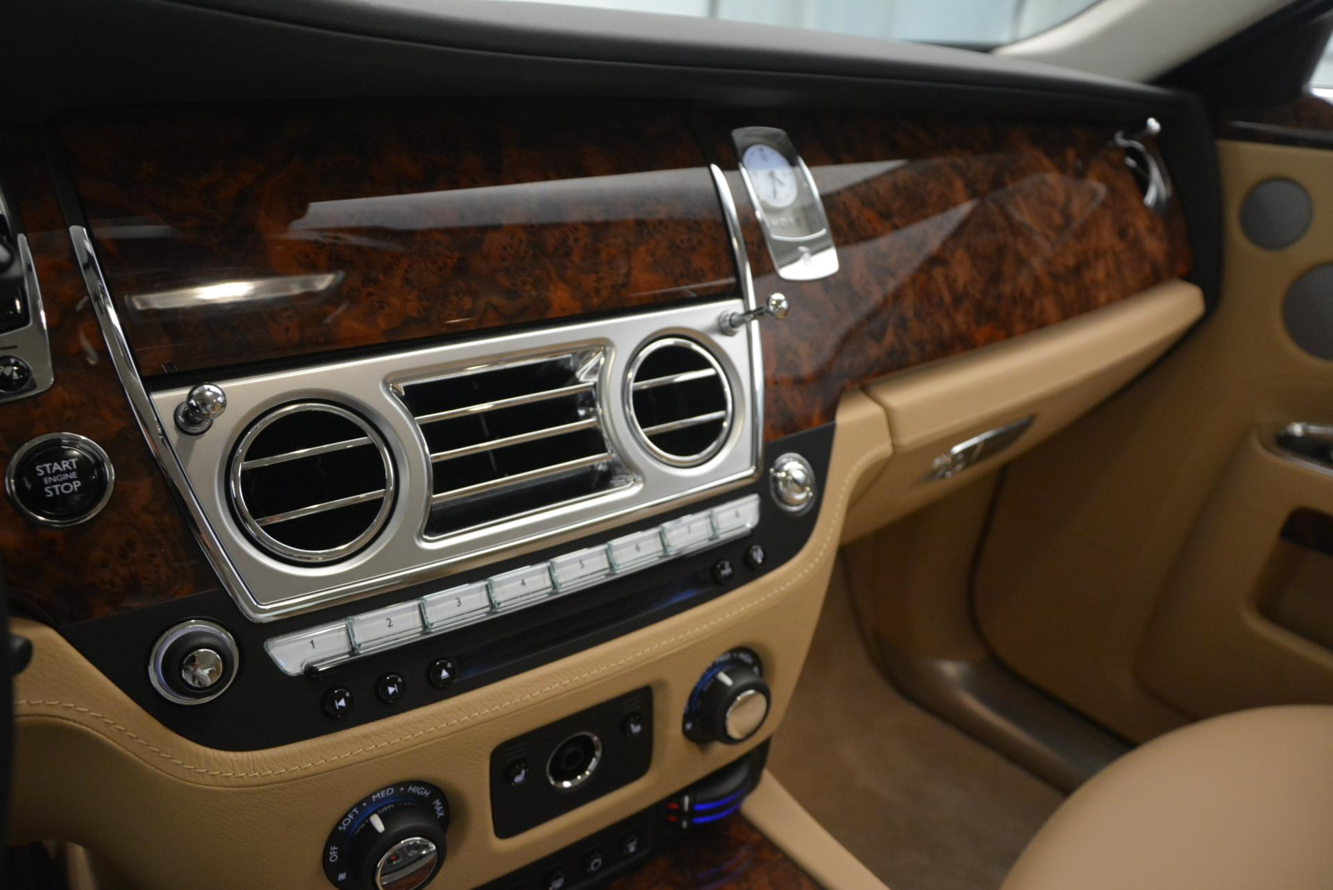 Used 2013 Rolls-Royce Ghost  For Sale In Greenwich, CT. Alfa Romeo of Greenwich, 7052 558_p18