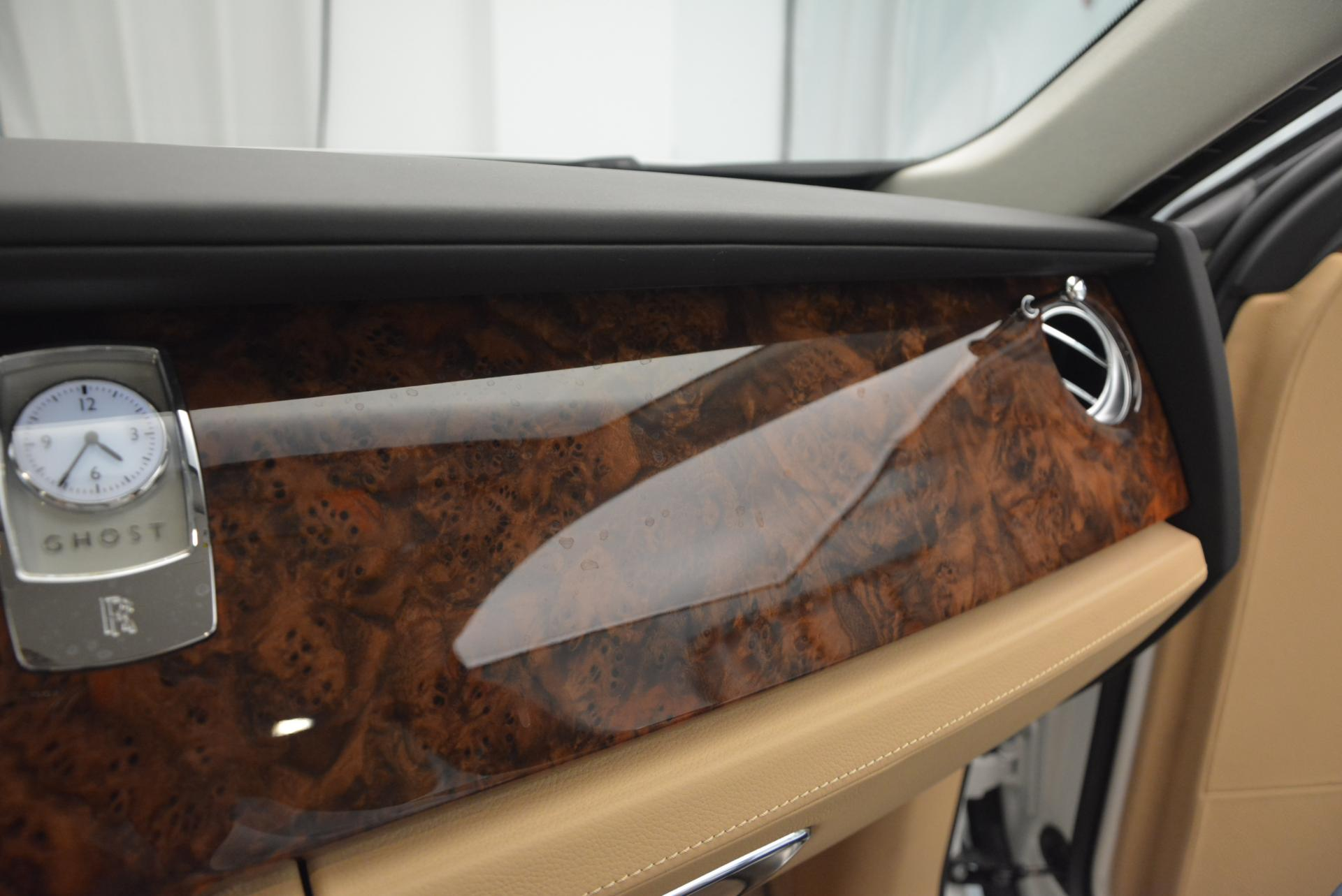 Used 2013 Rolls-Royce Ghost  For Sale In Greenwich, CT. Alfa Romeo of Greenwich, 7052 558_p21