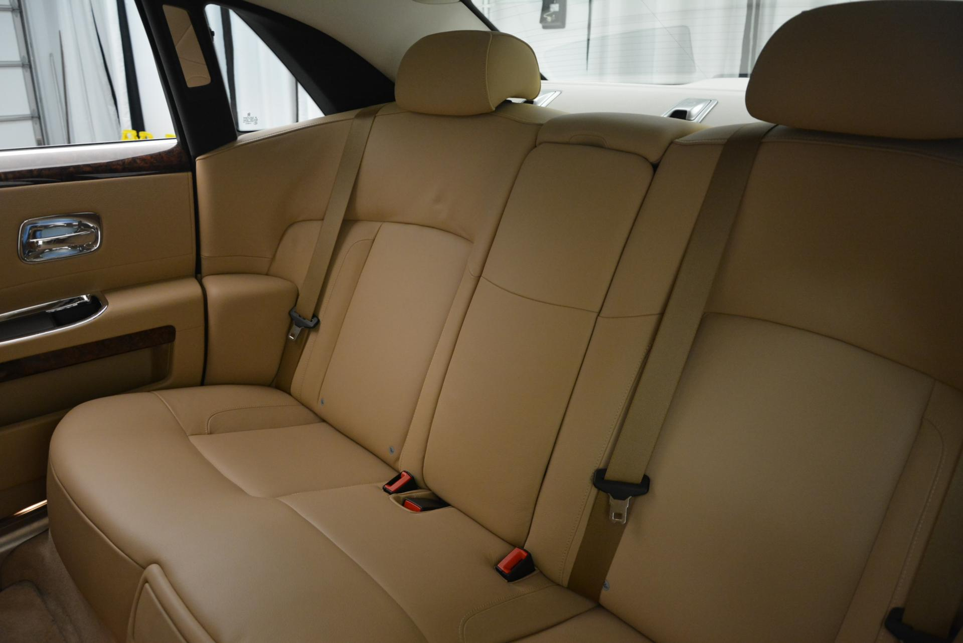 Used 2013 Rolls-Royce Ghost  For Sale In Greenwich, CT. Alfa Romeo of Greenwich, 7052 558_p25
