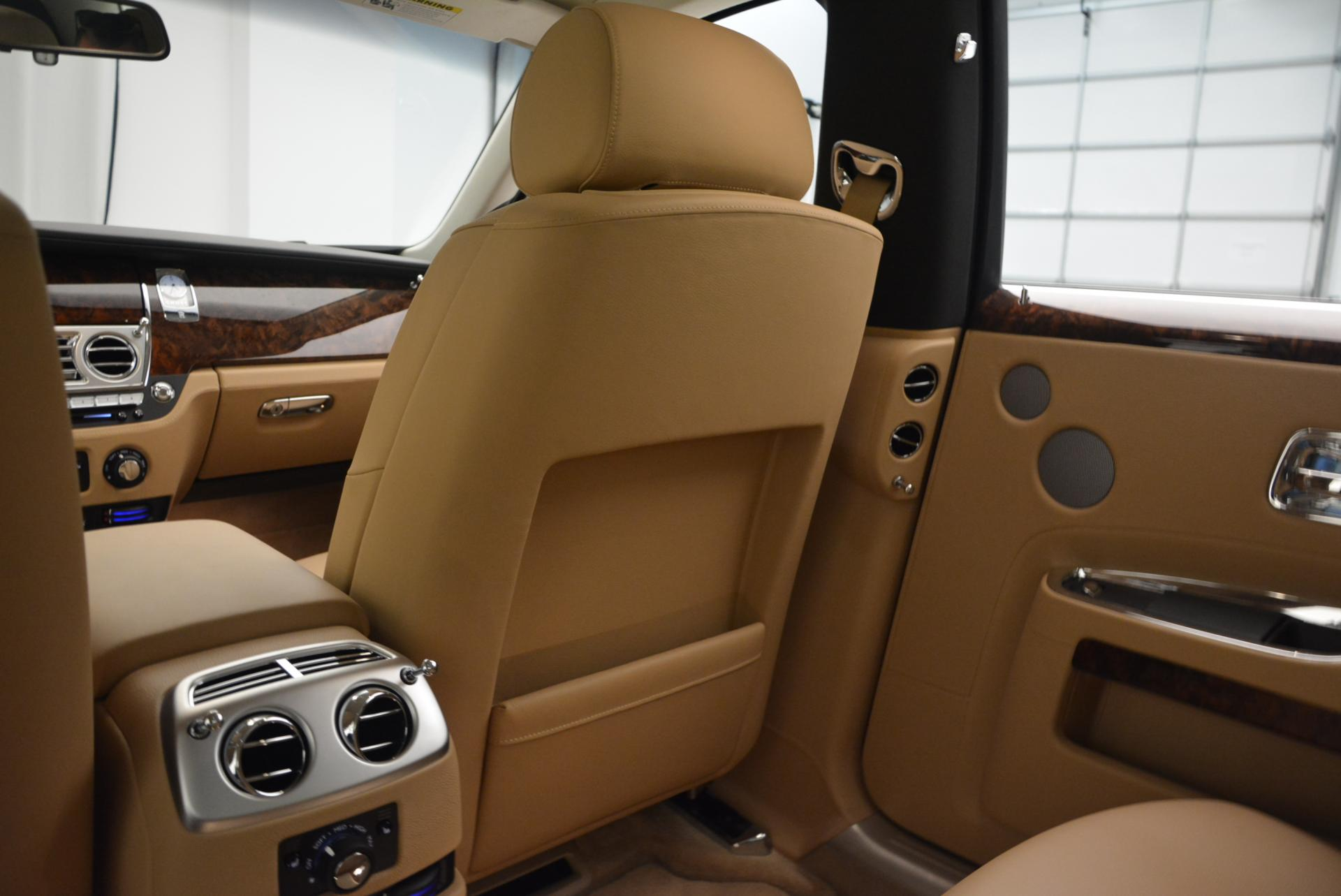 Used 2013 Rolls-Royce Ghost  For Sale In Greenwich, CT. Alfa Romeo of Greenwich, 7052 558_p27