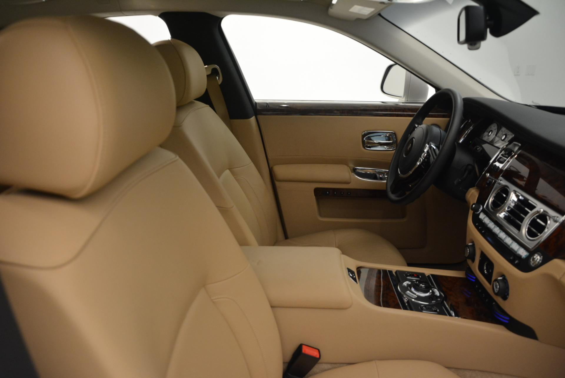 Used 2013 Rolls-Royce Ghost  For Sale In Greenwich, CT. Alfa Romeo of Greenwich, 7052 558_p30