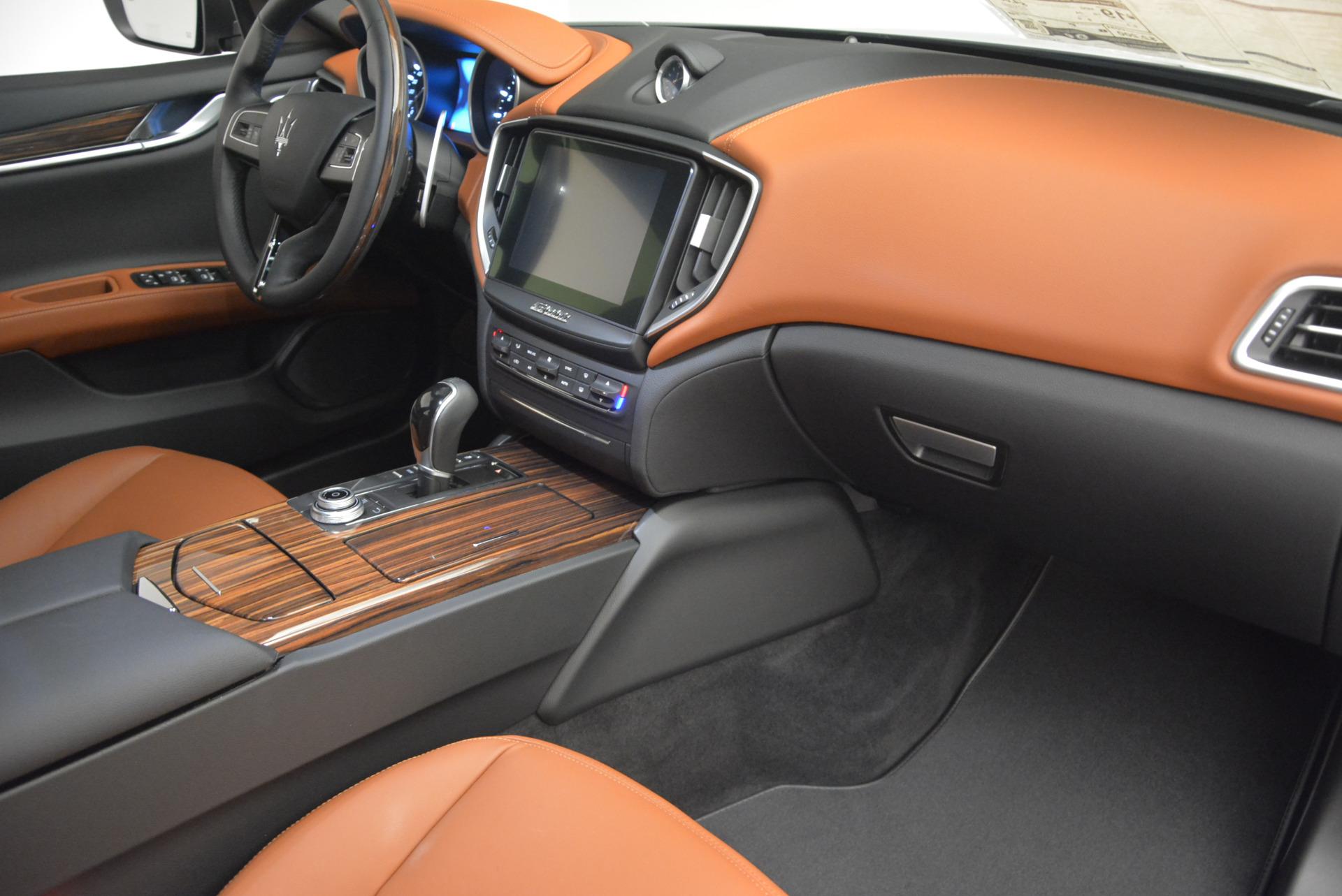 Used 2017 Maserati Ghibli S Q4  EX-LOANER For Sale In Greenwich, CT. Alfa Romeo of Greenwich, W311 565_p19