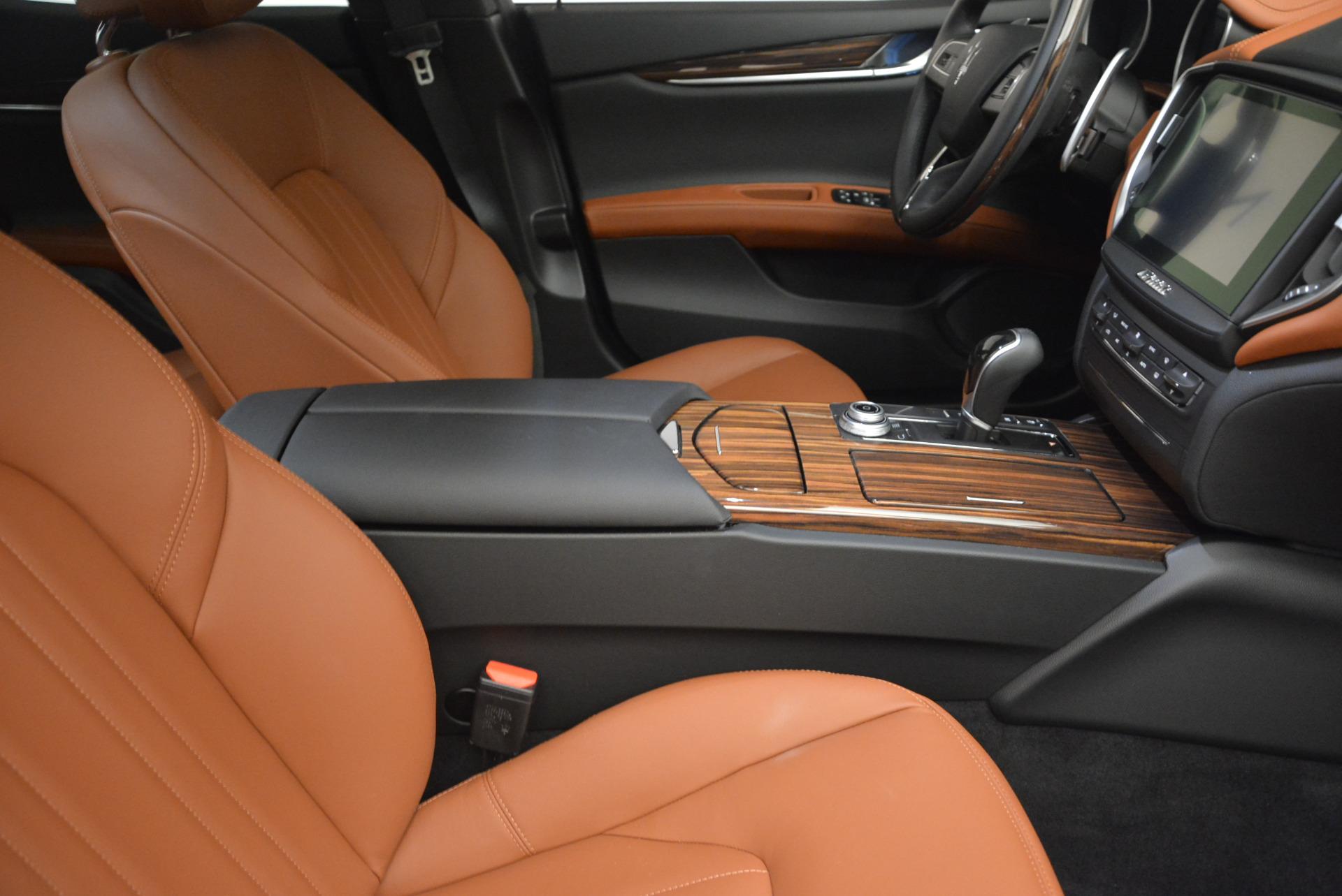 Used 2017 Maserati Ghibli S Q4  EX-LOANER For Sale In Greenwich, CT. Alfa Romeo of Greenwich, W311 565_p20