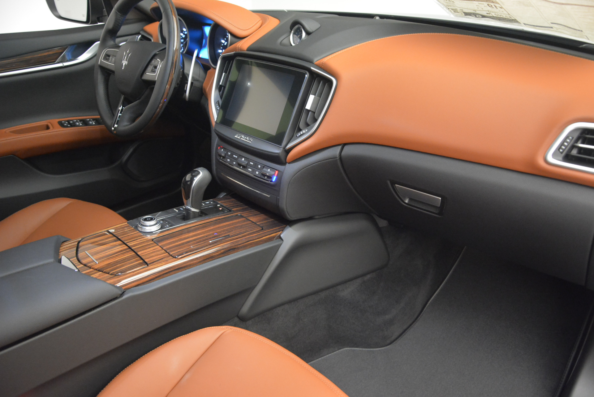 New 2017 Maserati Ghibli S Q4 For Sale In Greenwich, CT. Alfa Romeo of Greenwich, W322 573_p19