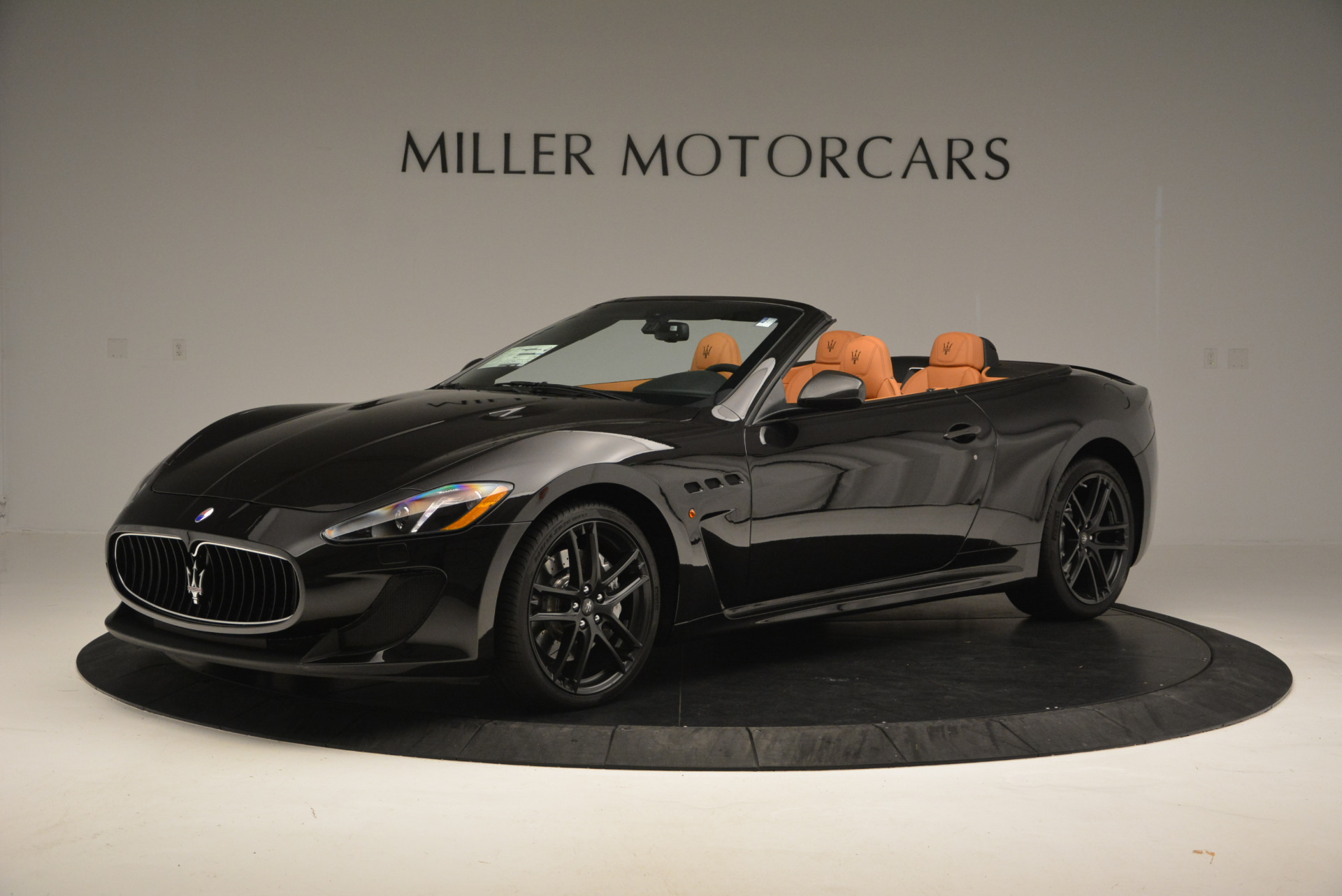 New 2017 Maserati GranTurismo MC CONVERTIBLE For Sale In Greenwich, CT. Alfa Romeo of Greenwich, M1652 596_p2