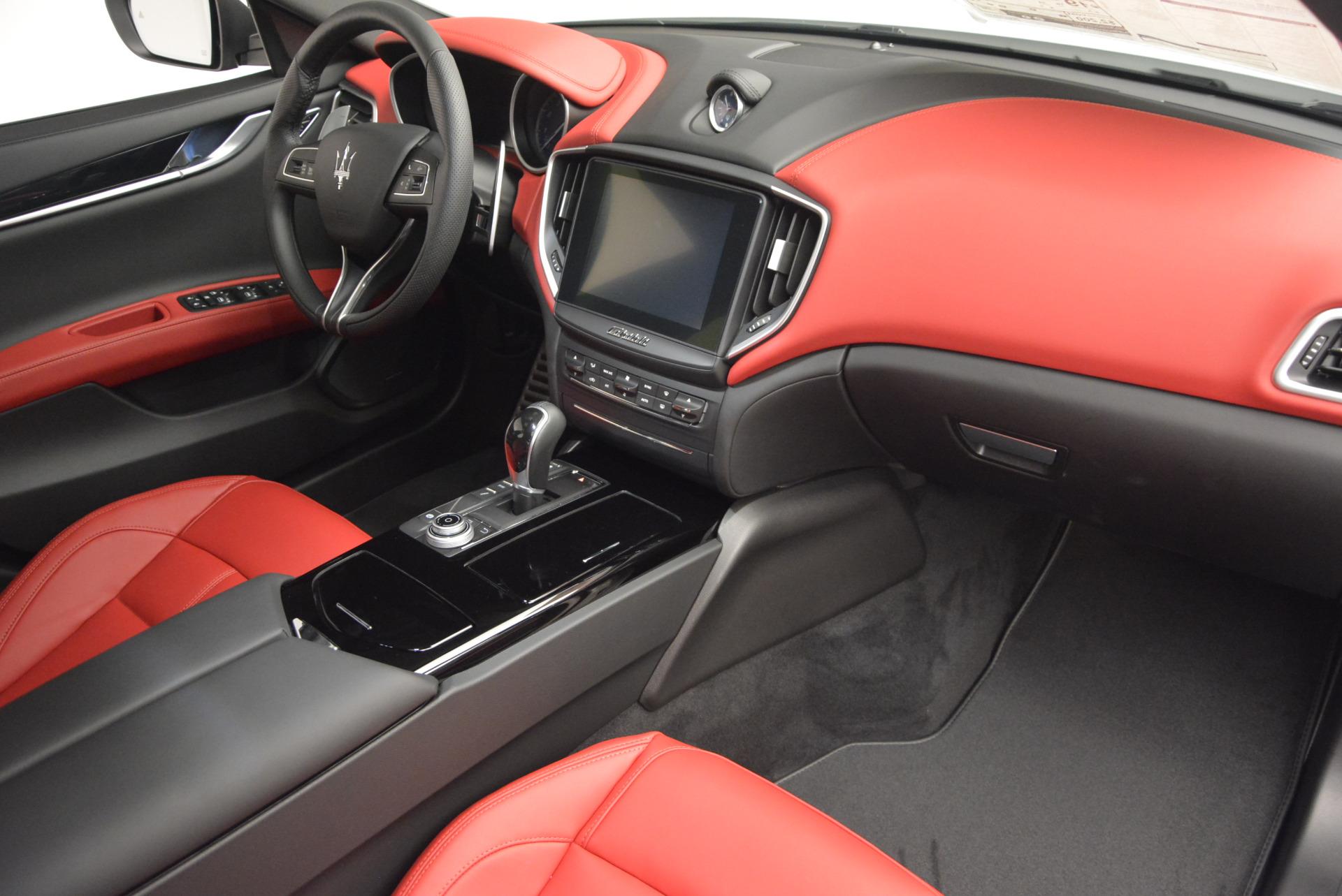 New 2017 Maserati Ghibli S Q4 For Sale In Greenwich, CT. Alfa Romeo of Greenwich, M1684 599_p23
