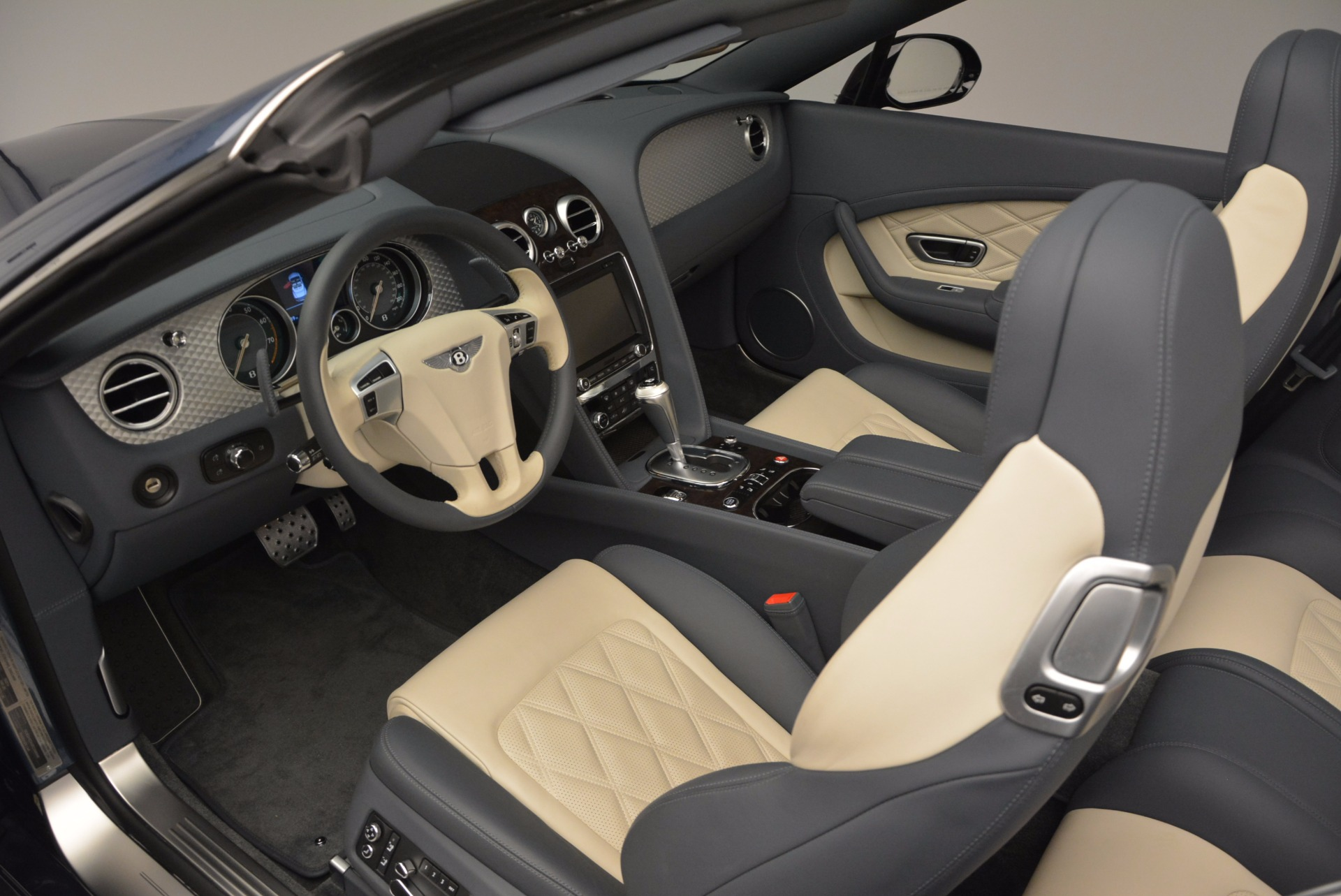 Used 2014 Bentley Continental GT V8 S Convertible  For Sale In Greenwich, CT. Alfa Romeo of Greenwich, B1177A 600_p28