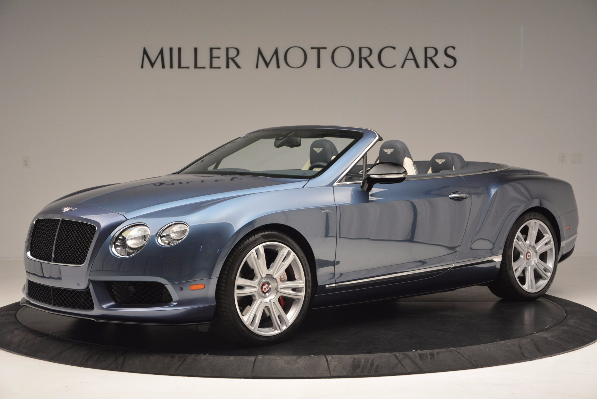Used 2014 Bentley Continental GT V8 S Convertible  For Sale In Greenwich, CT. Alfa Romeo of Greenwich, B1177A 600_p2