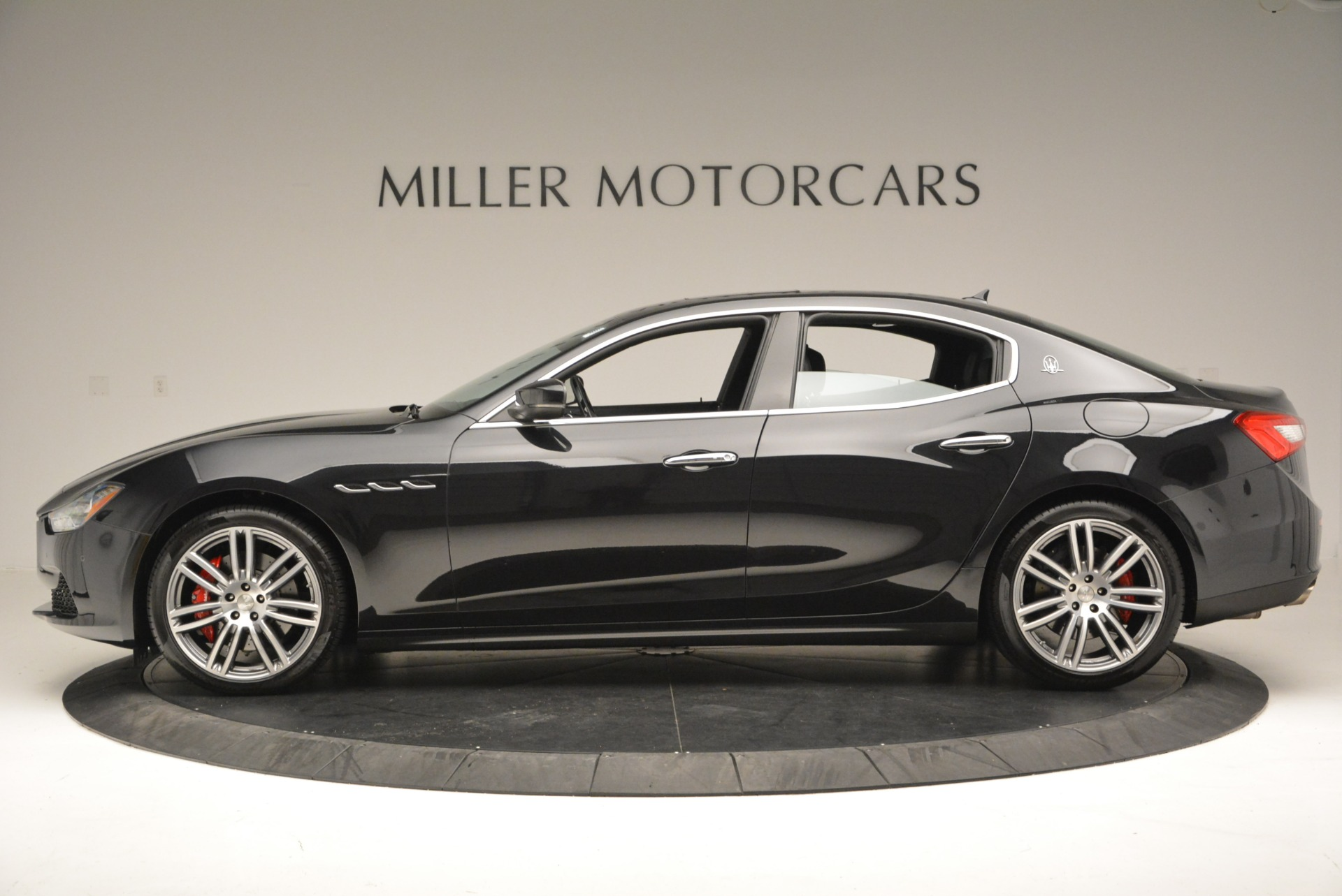 New 2017 Maserati Ghibli S Q4 For Sale In Greenwich, CT. Alfa Romeo of Greenwich, M1694 604_p3