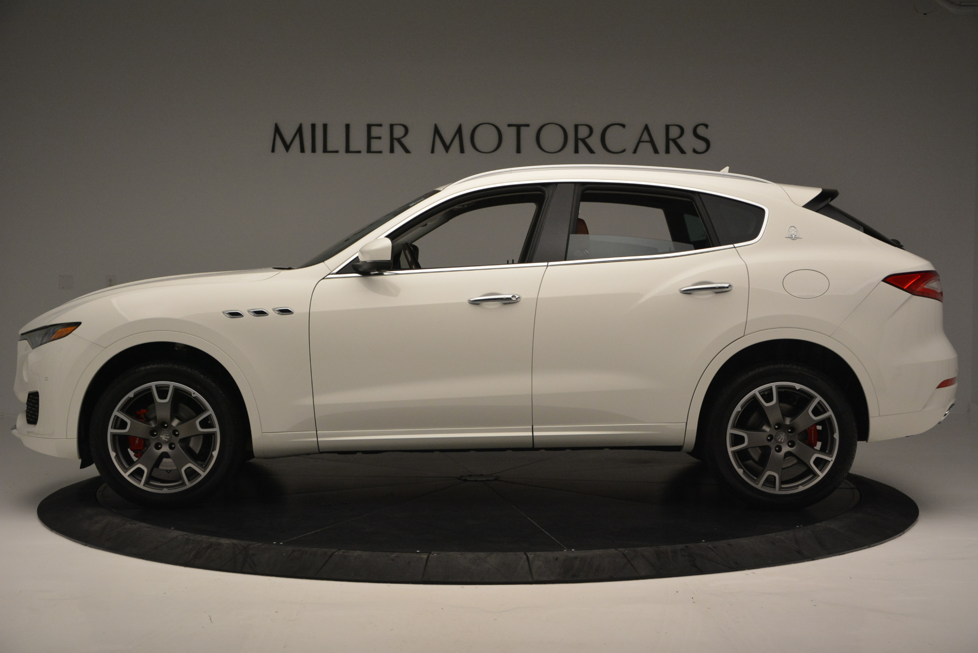 New 2017 Maserati Levante  For Sale In Greenwich, CT. Alfa Romeo of Greenwich, W339 614_p3