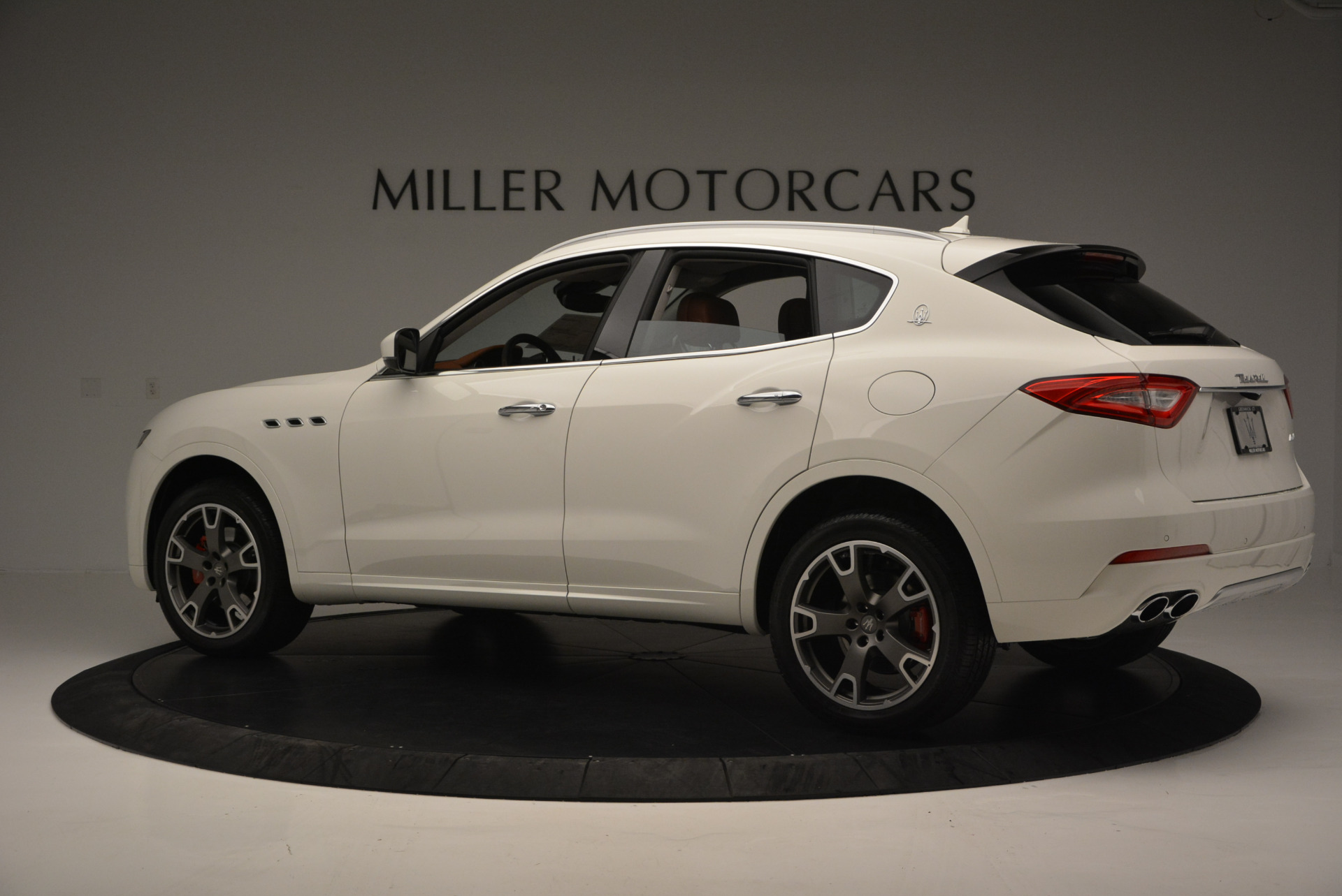 New 2017 Maserati Levante  For Sale In Greenwich, CT. Alfa Romeo of Greenwich, W339 614_p4
