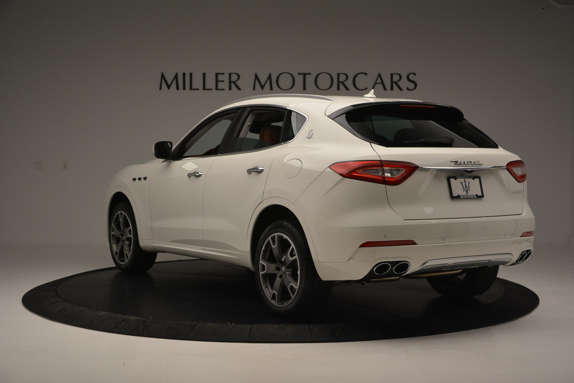 New 2017 Maserati Levante  For Sale In Greenwich, CT. Alfa Romeo of Greenwich, W339 614_p5