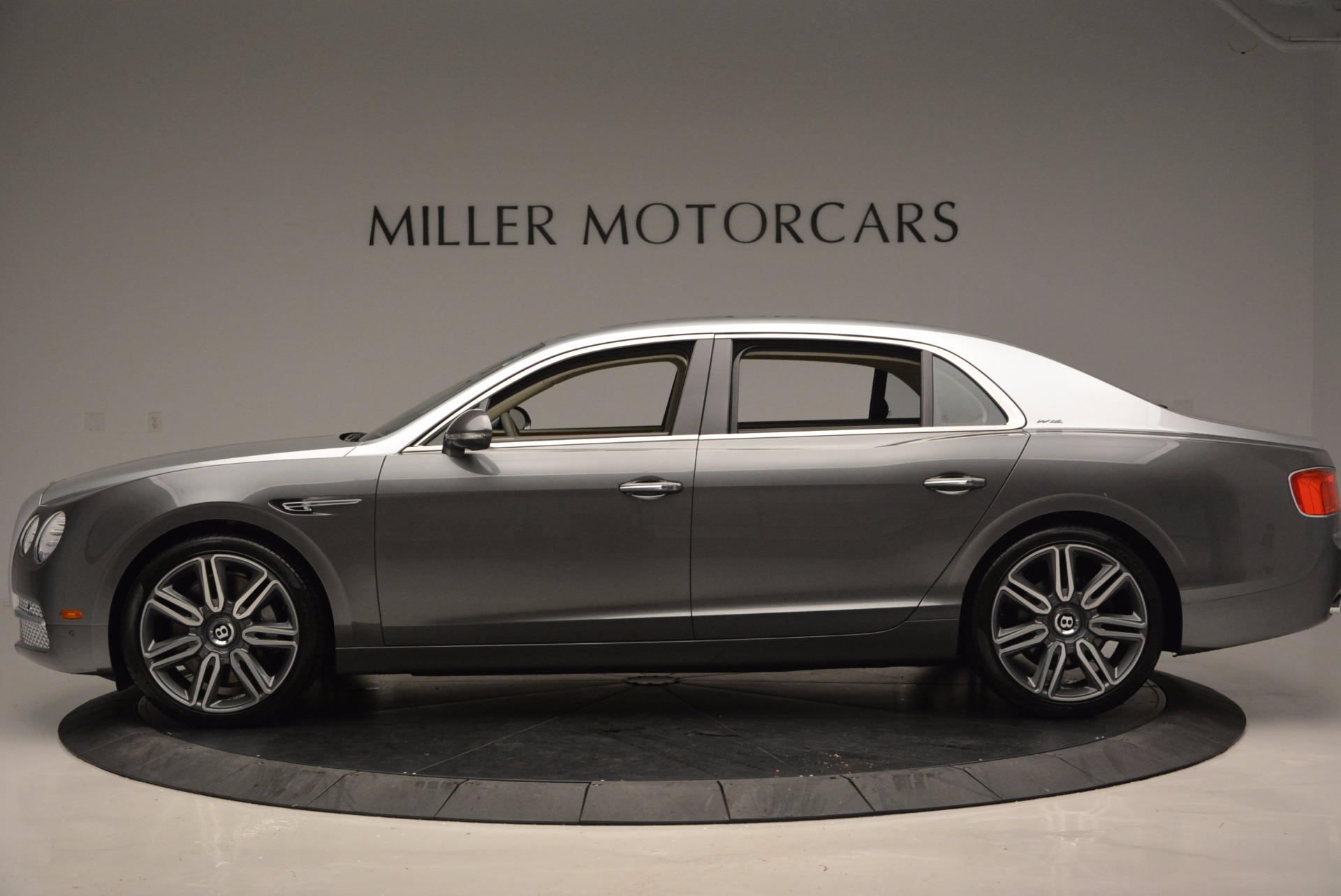 Used 2016 Bentley Flying Spur W12  For Sale In Greenwich, CT. Alfa Romeo of Greenwich, B1190 617_p3