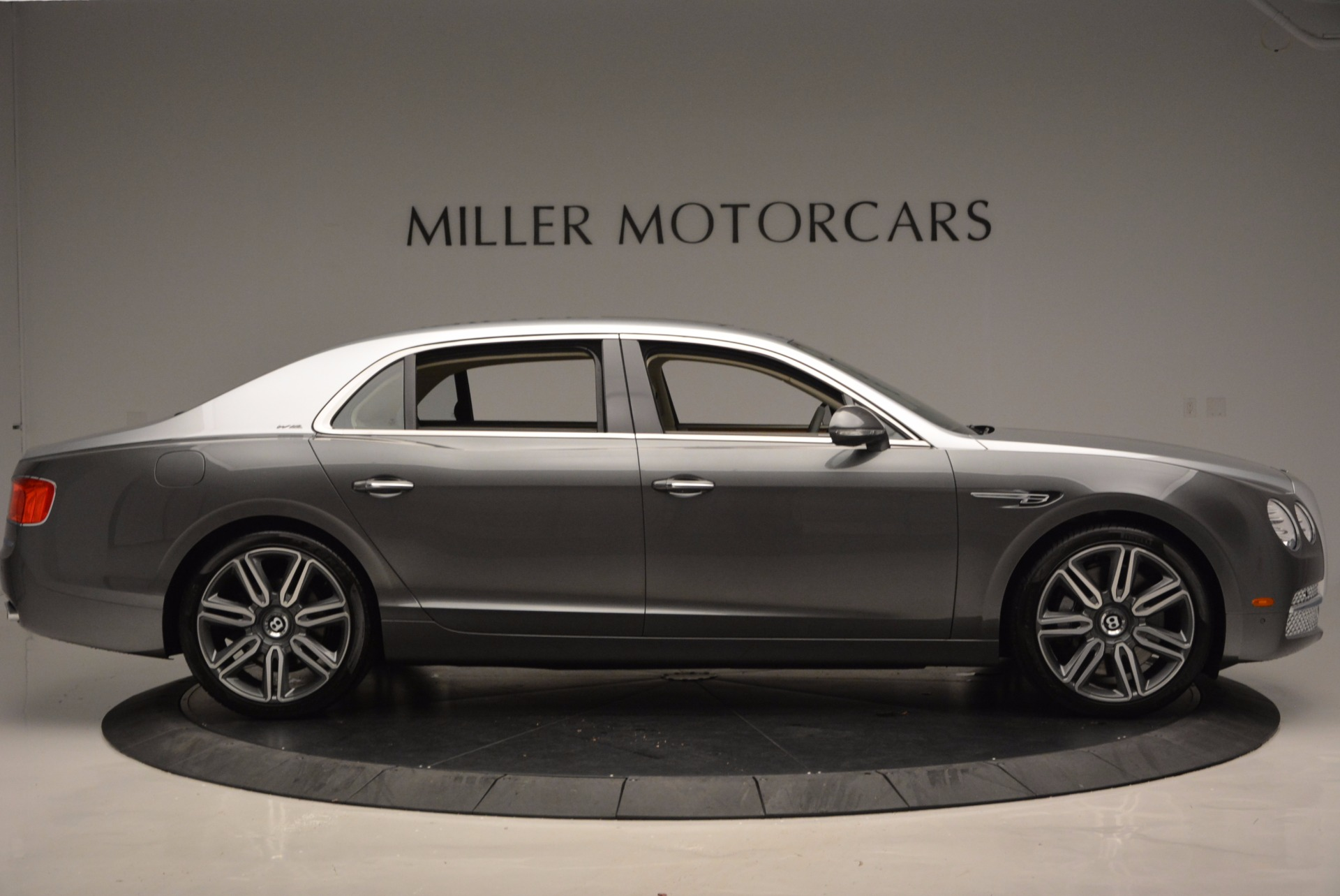 Used 2016 Bentley Flying Spur W12  For Sale In Greenwich, CT. Alfa Romeo of Greenwich, B1190 617_p9
