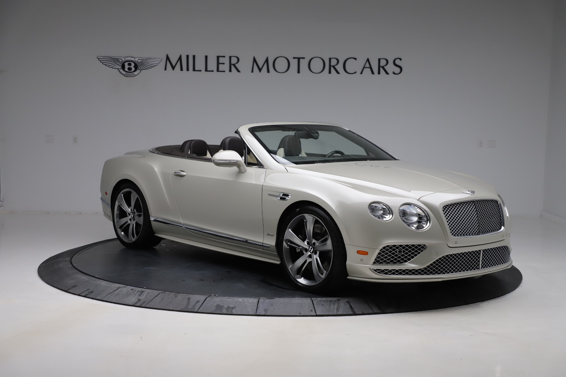 Used 2016 Bentley Continental GT Speed Convertible  For Sale In Greenwich, CT. Alfa Romeo of Greenwich, B1192 619_p12