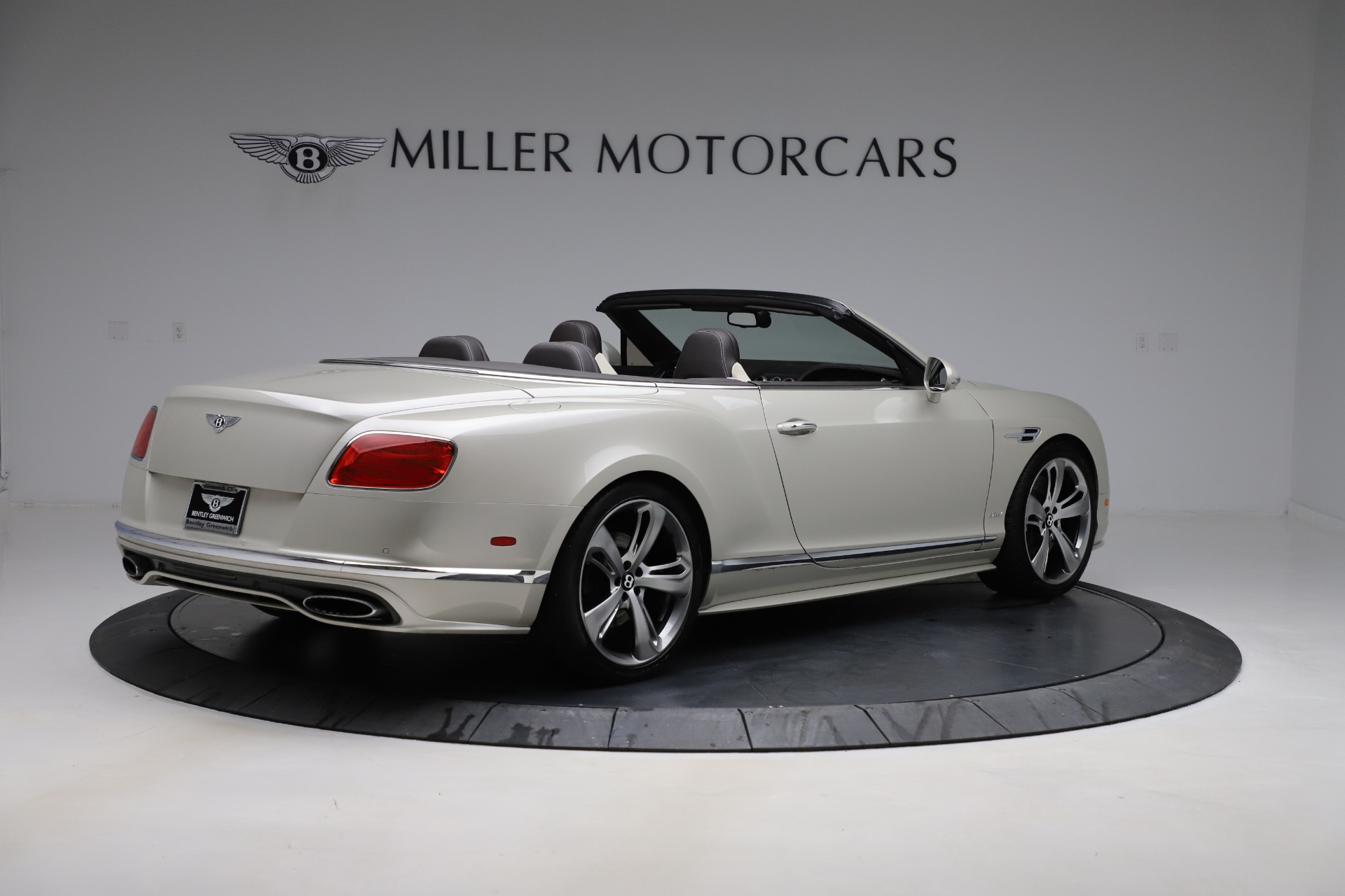 Used 2016 Bentley Continental GT Speed Convertible  For Sale In Greenwich, CT. Alfa Romeo of Greenwich, B1192 619_p9