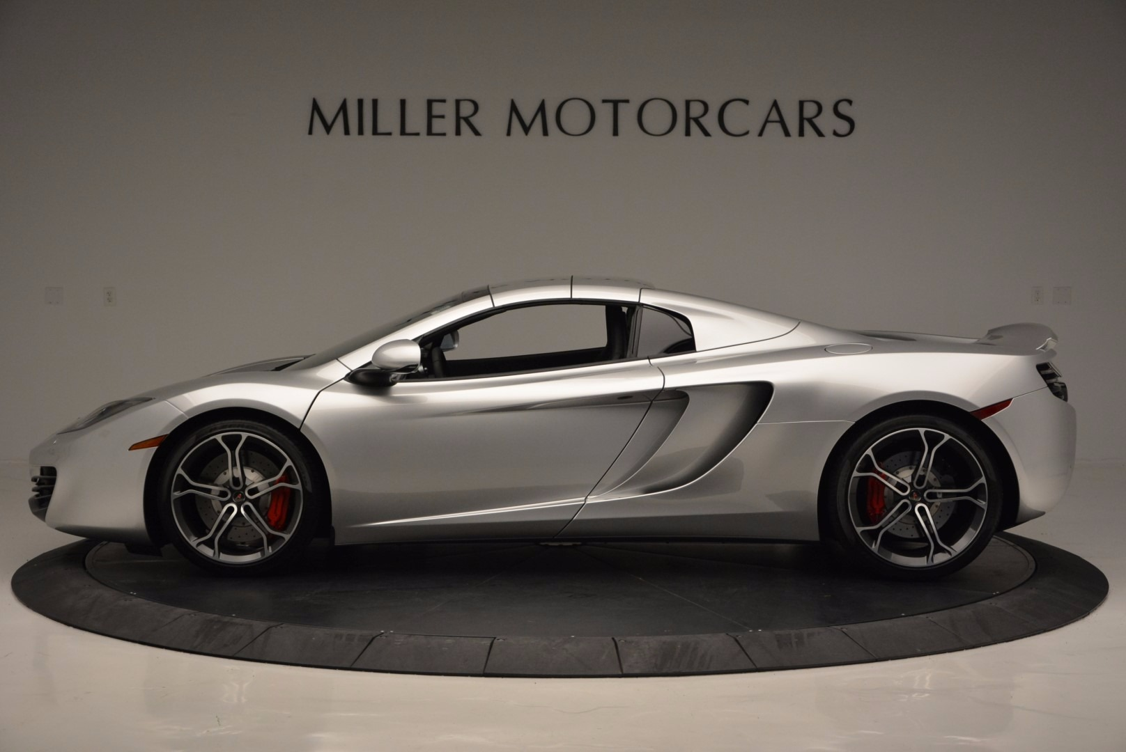 Used 2014 McLaren MP4-12C Spider  For Sale In Greenwich, CT. Alfa Romeo of Greenwich, 3089 627_p16